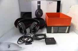 1 x Dr Dre Beat Studio wireless headphones, model B0501, Apple compatible, damaged volume control