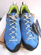 1 x pair of Dolomite Steinbock low GTX 2.00 hiking/climbing shoes - New in box (1B)