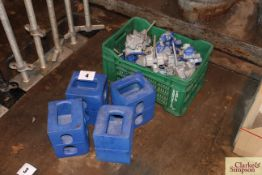 Quantity of ISO locks for containers and container blocks.