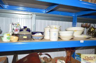 A quantity of dinnerware to include Meakin Broadhu