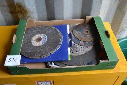 Various cutting discs.