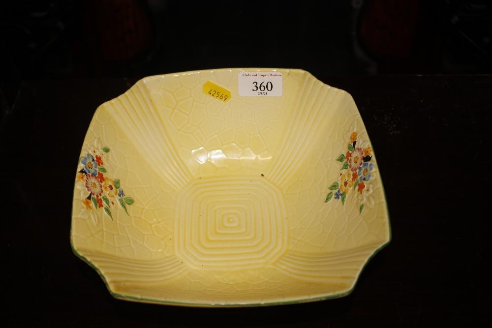A Crown Devon Art Deco fruit bowl
