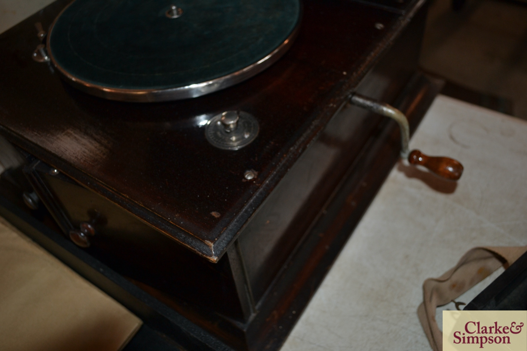 A Dulcetto table model gramophone and ten 78rpm re - Image 6 of 8