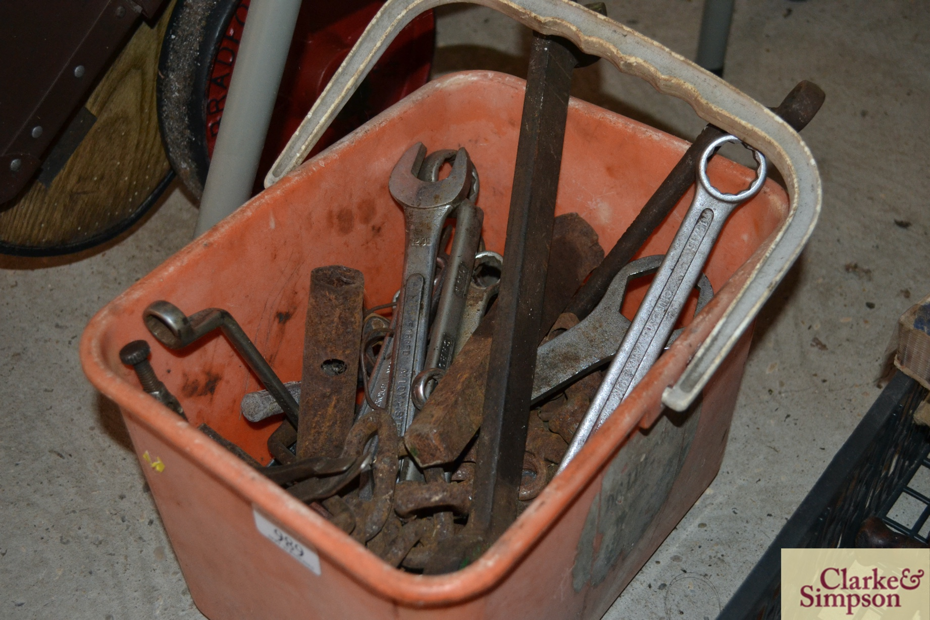 A bucket of various tools and a canvas bag of tool - Image 3 of 3