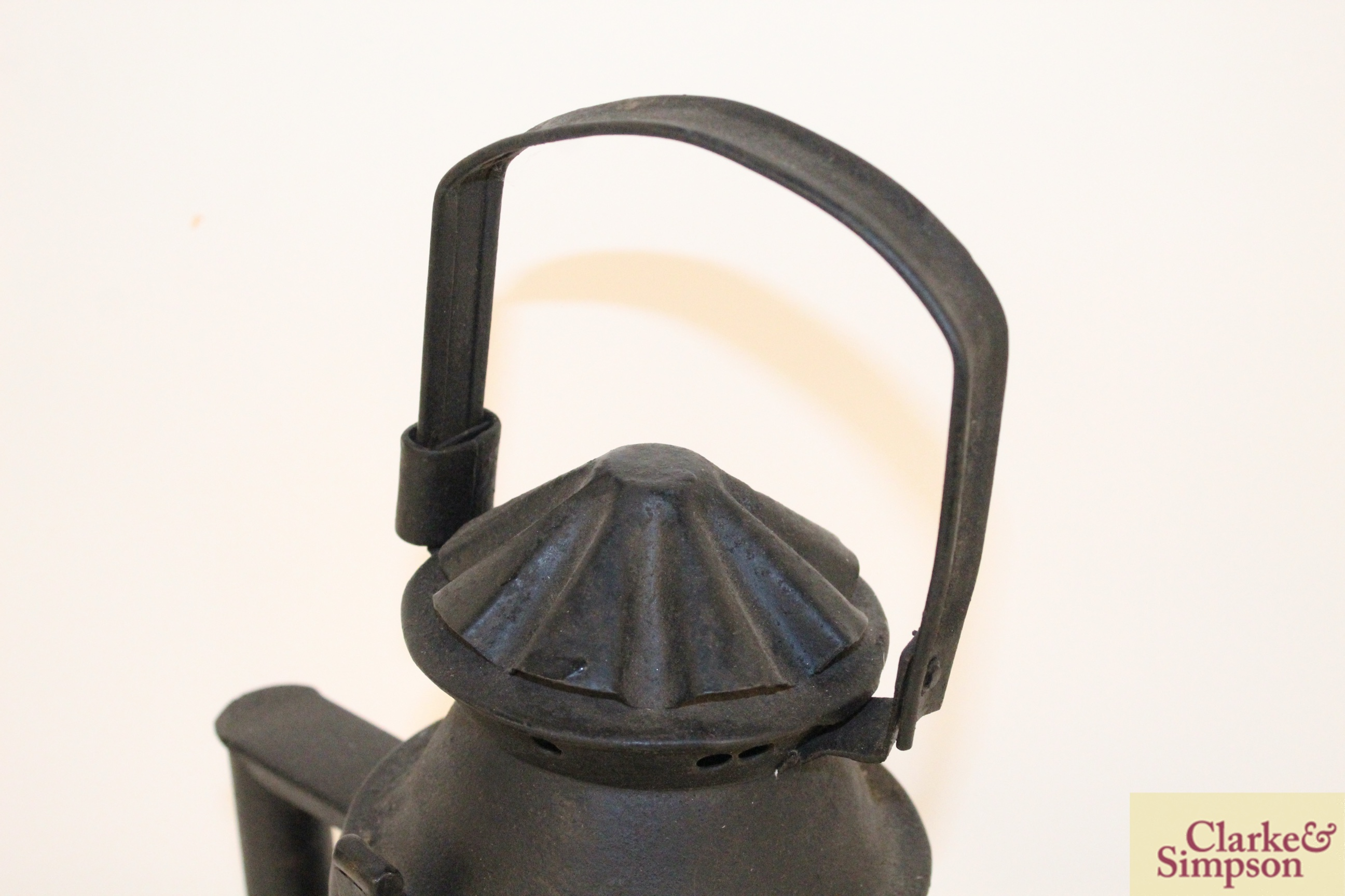 A vintage railway signal lamp - Image 4 of 5