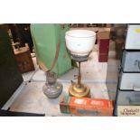 An Aladdin lamp with spare Loxon chimney in origin