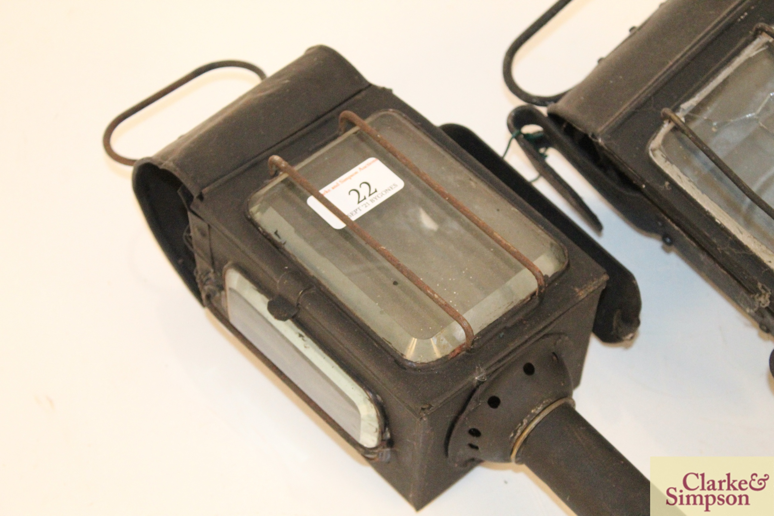Two carriage lamps - Image 2 of 8