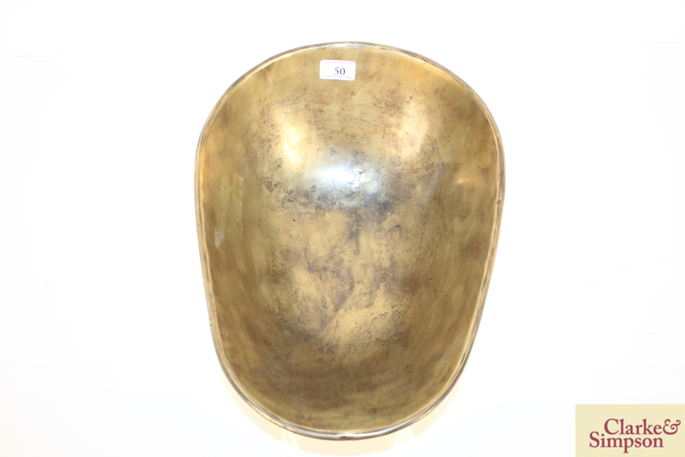 An antique brass Greengrocers scale bowl - Image 3 of 4