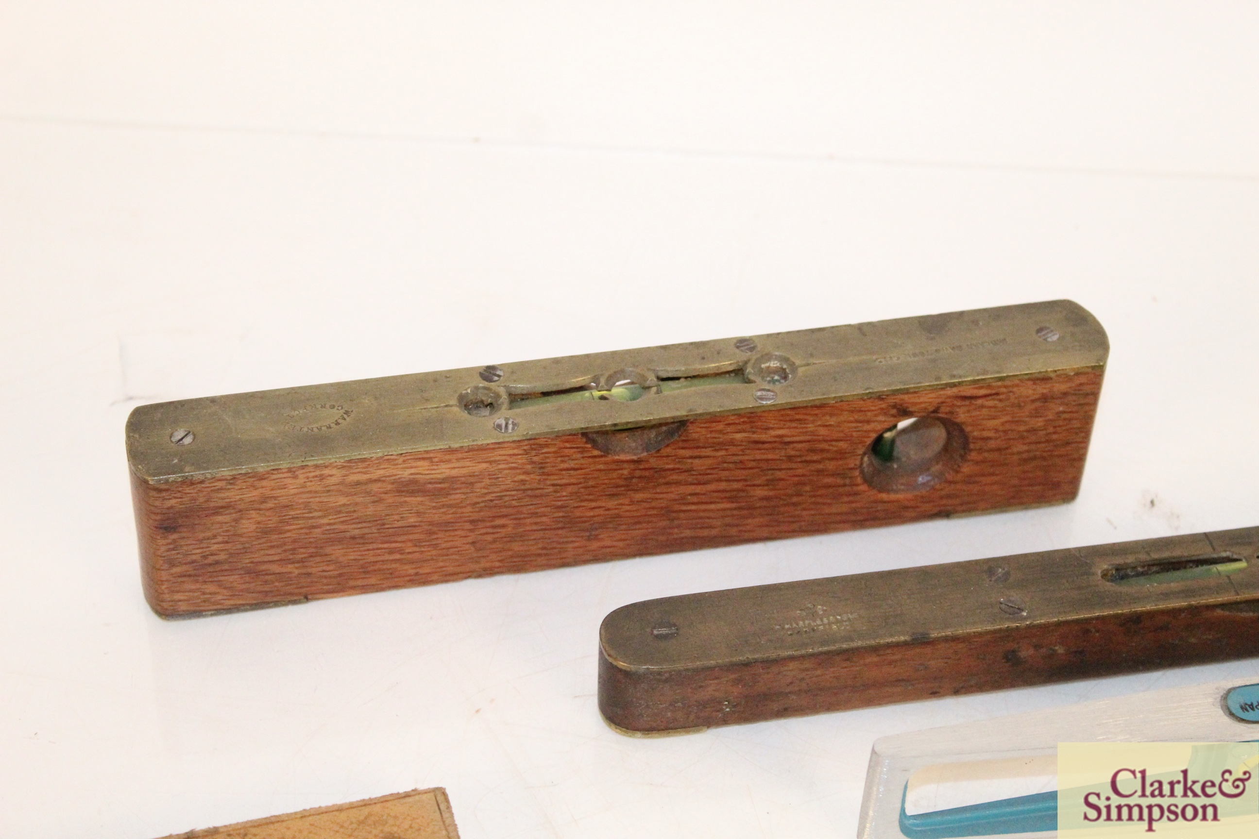 Three various spirit levels, a surveyors tape, a h - Image 2 of 6