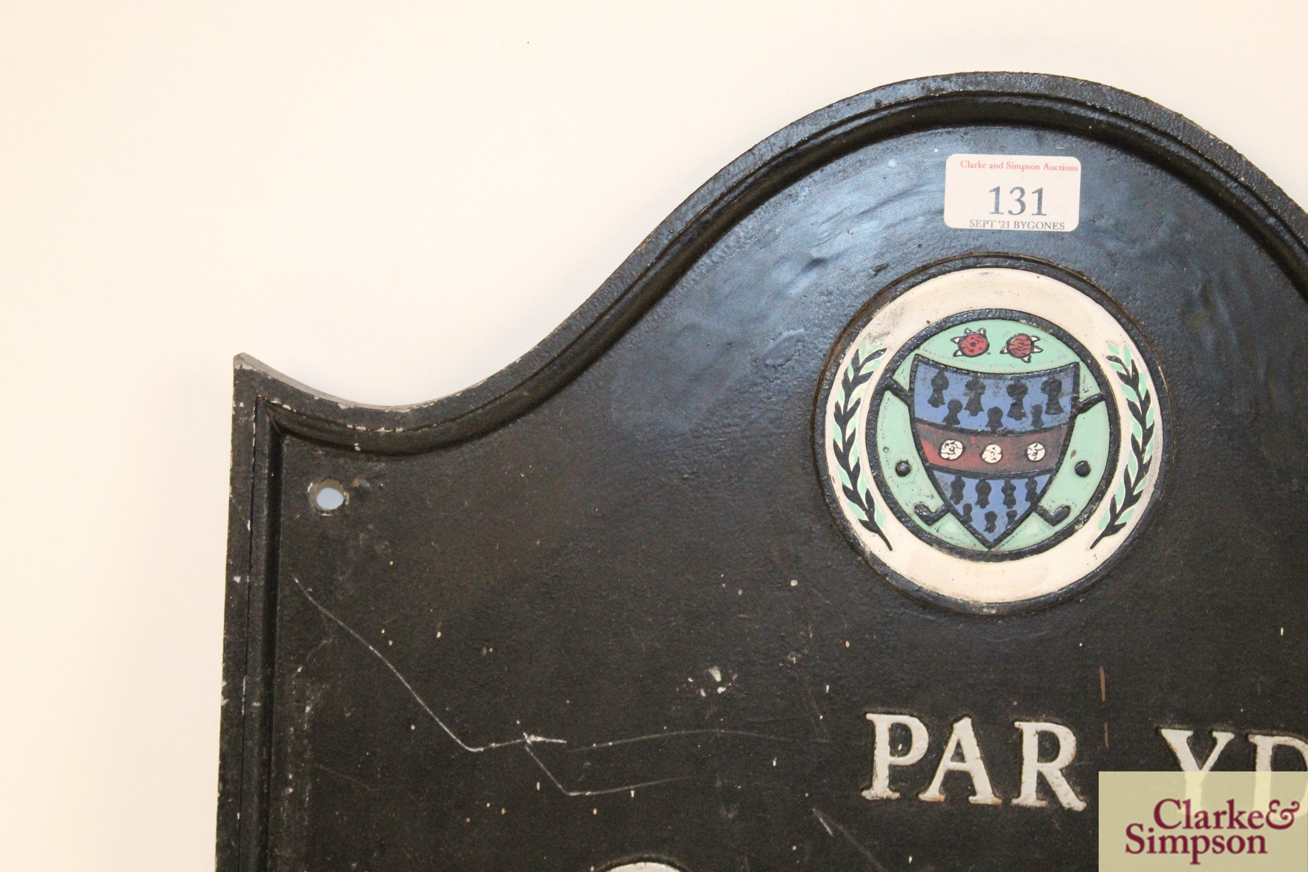 """A cast iron """"Golf Club"""" sign, approx. 15½"""" x 17"""" i - Image 2 of 10"""