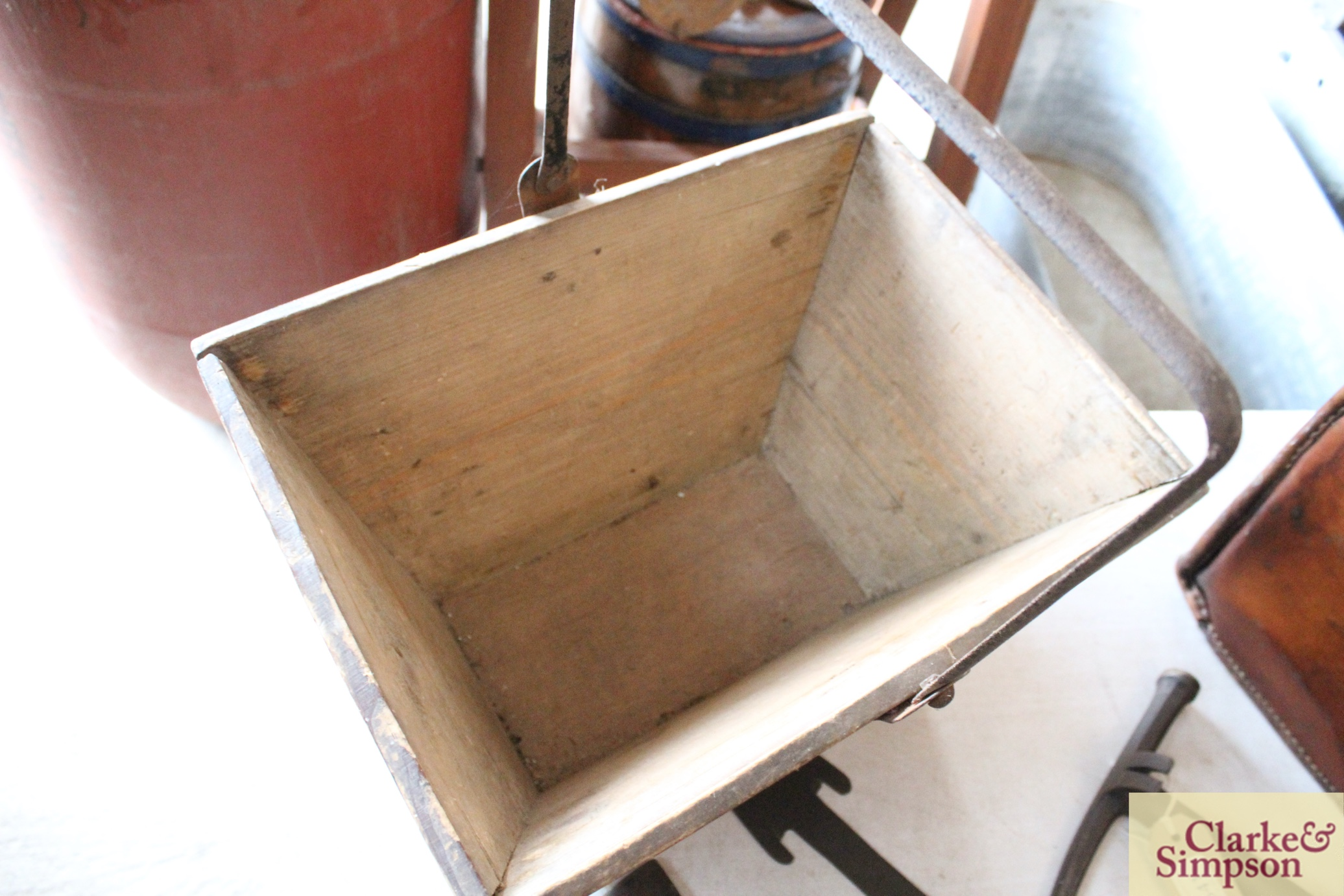 A housemaids wooden box with metal swing handle an - Image 4 of 4
