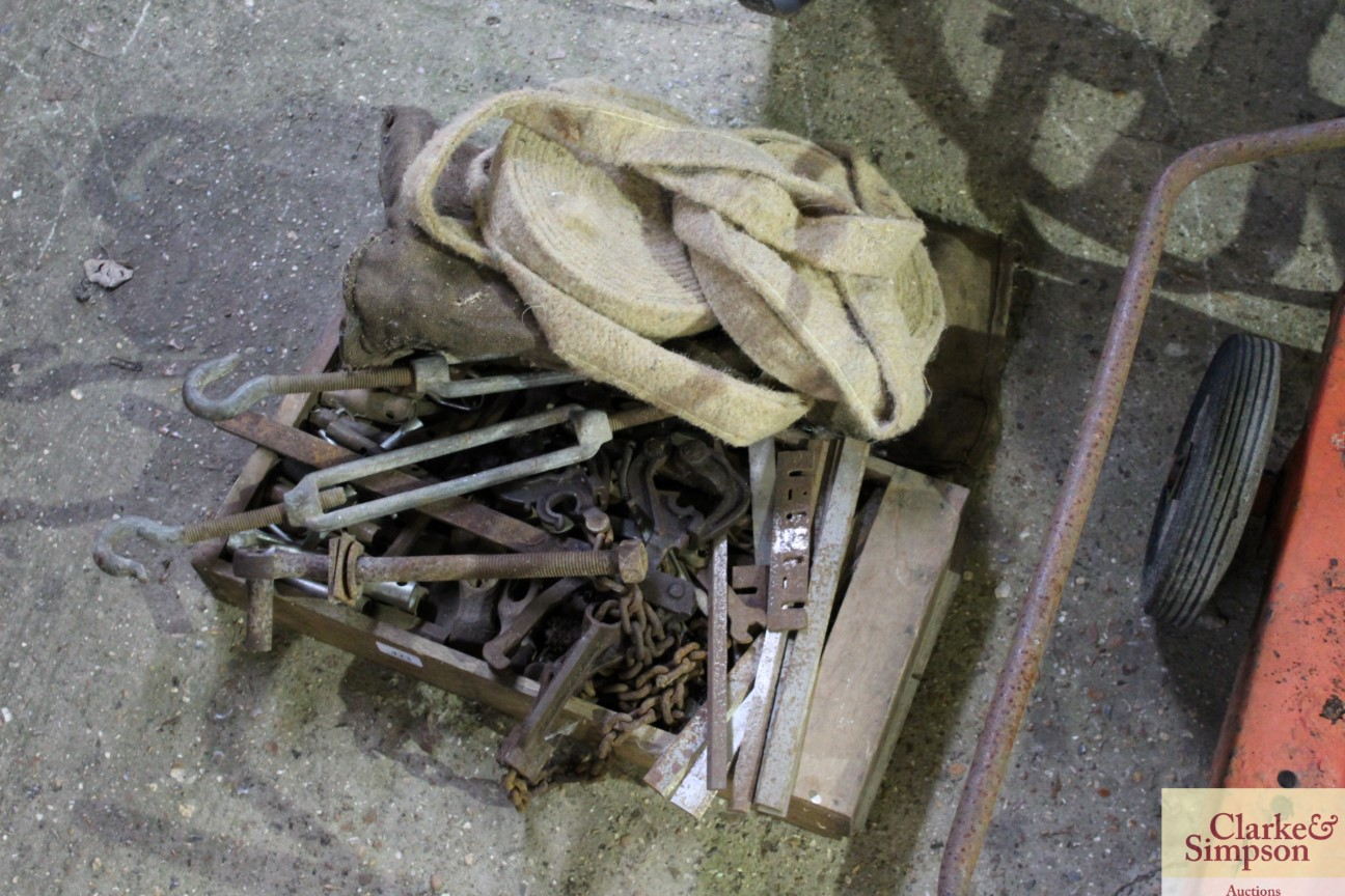 A small roll of pipe lagging and a box containing wire strainers, other metalware etc. - Image 2 of 2