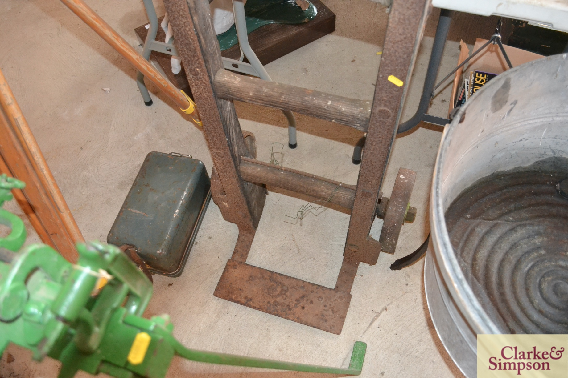 A vintage wooden and iron mounted sack barrow - Image 2 of 4