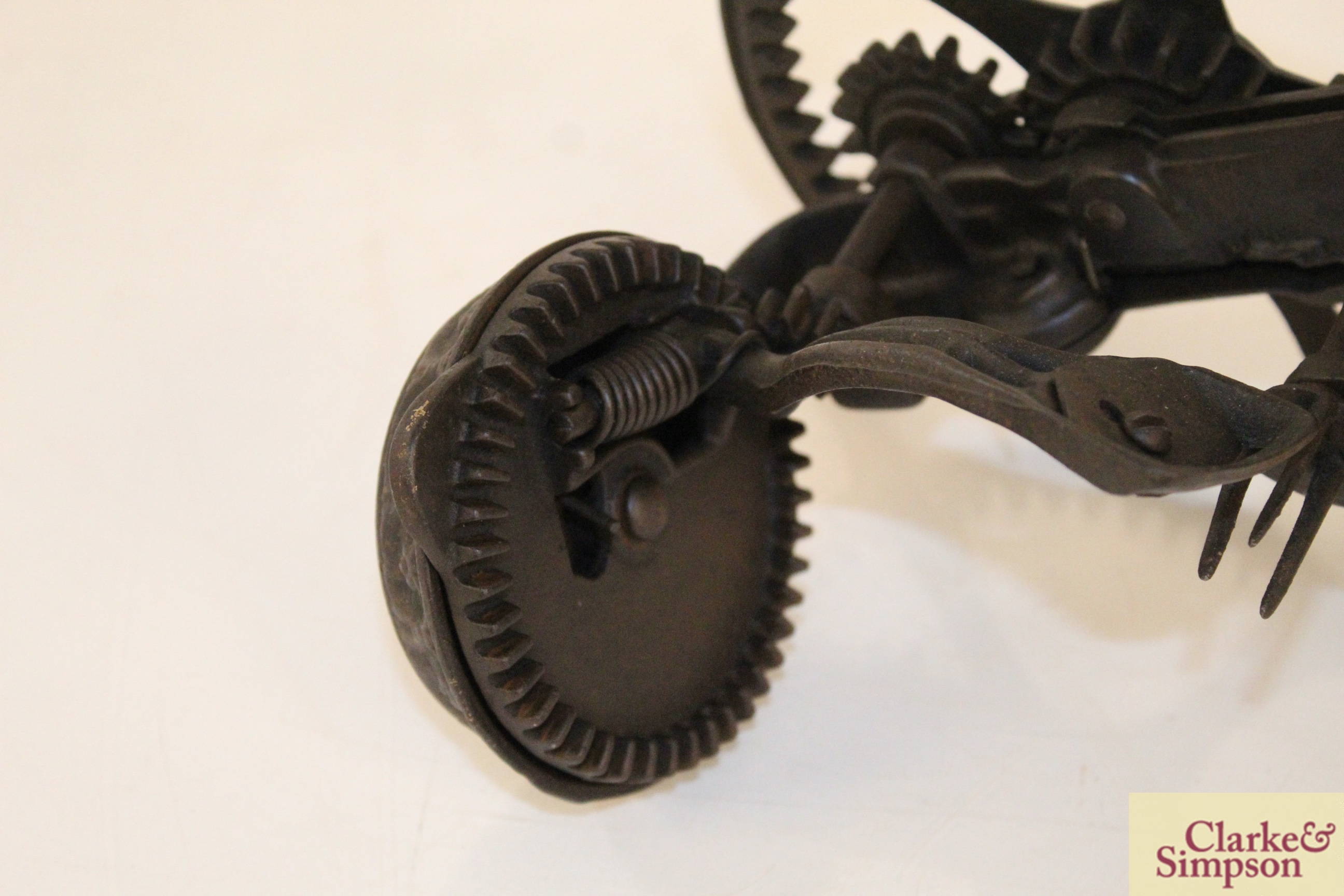 A cast iron apple peeler by The Reading Hardware C - Image 3 of 7