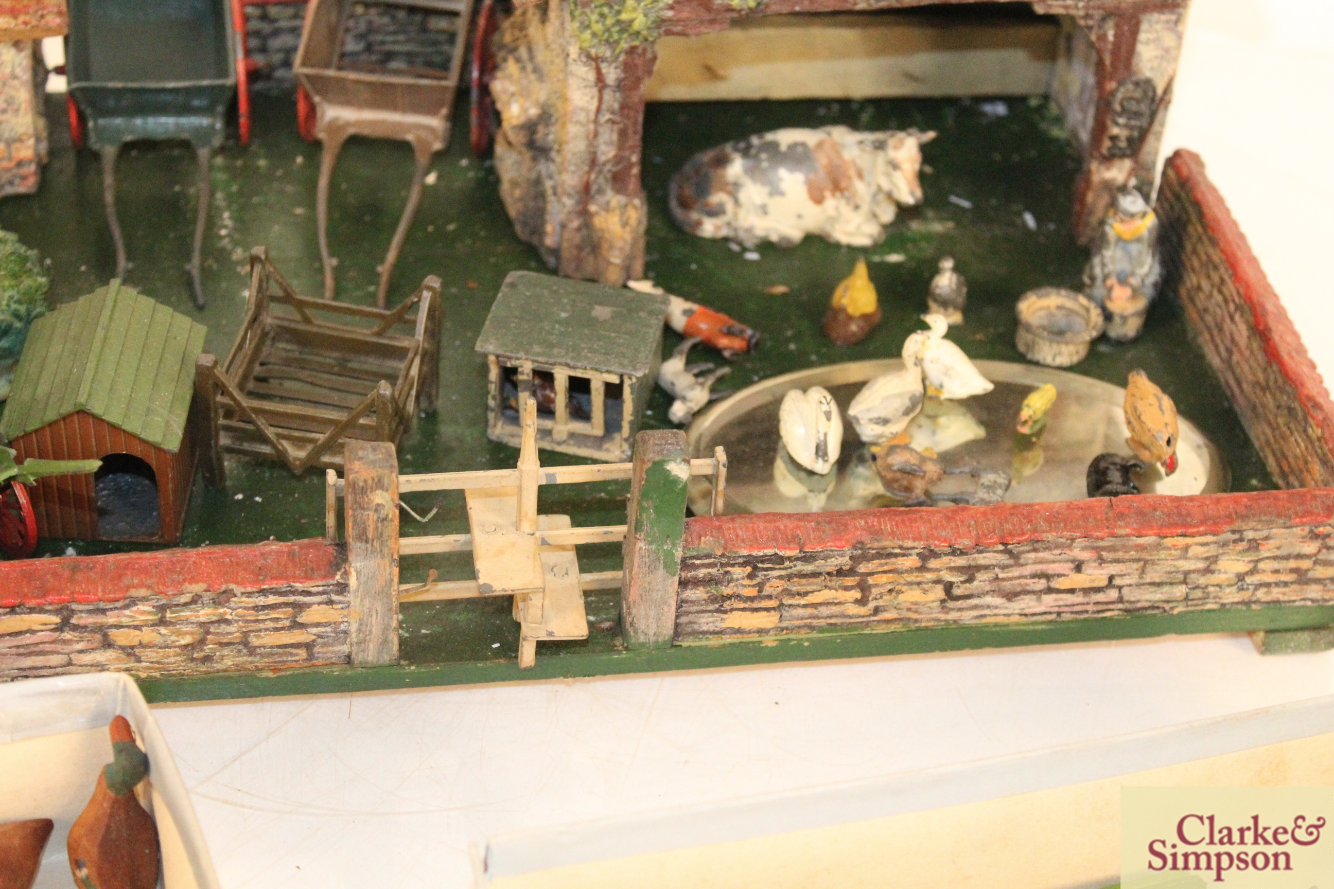A toy farmyard and a quantity of model lead animals an - Image 5 of 8