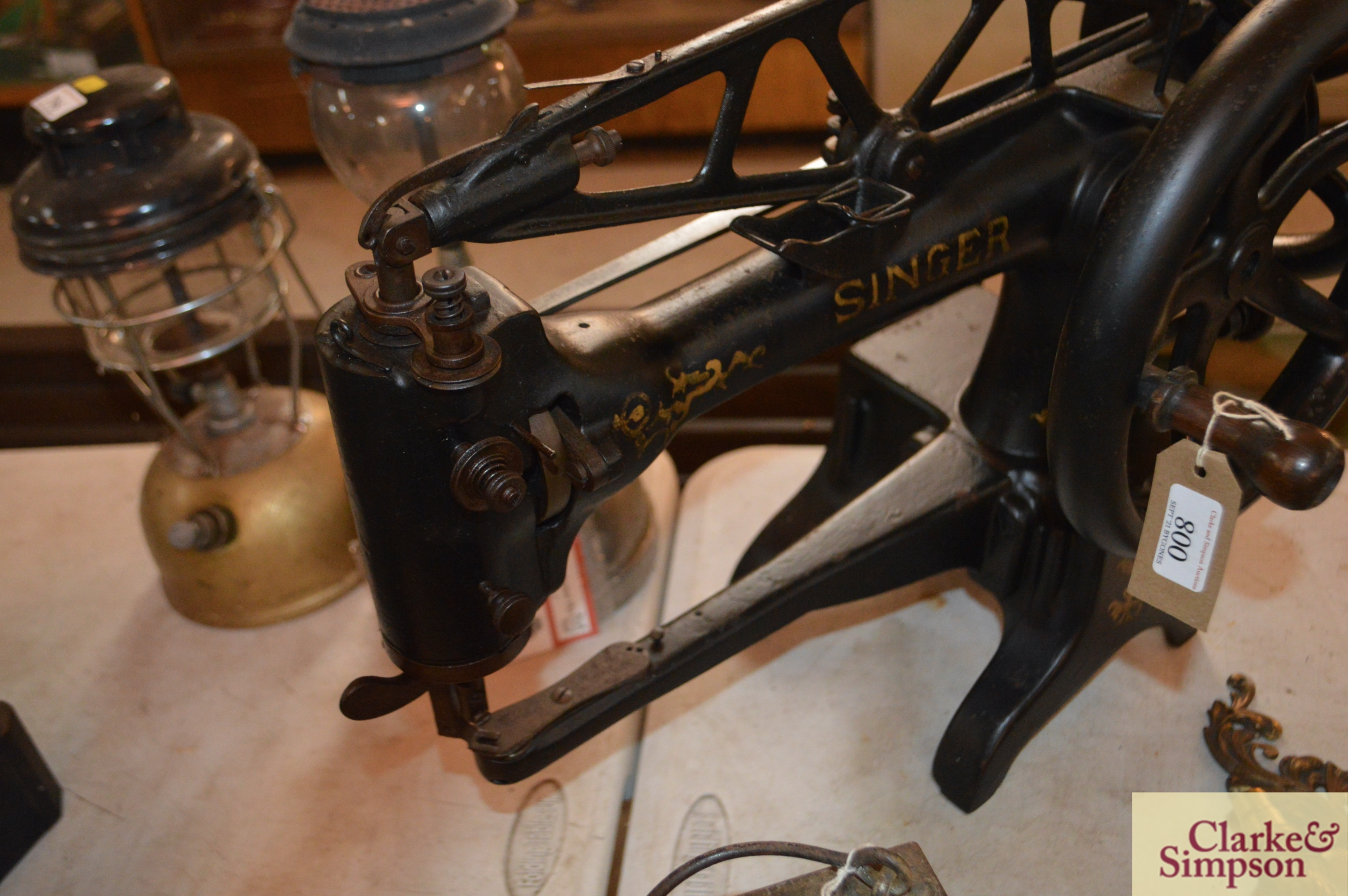 A Singer No.29K15 heavy duty patcher hand or belt - Image 3 of 9