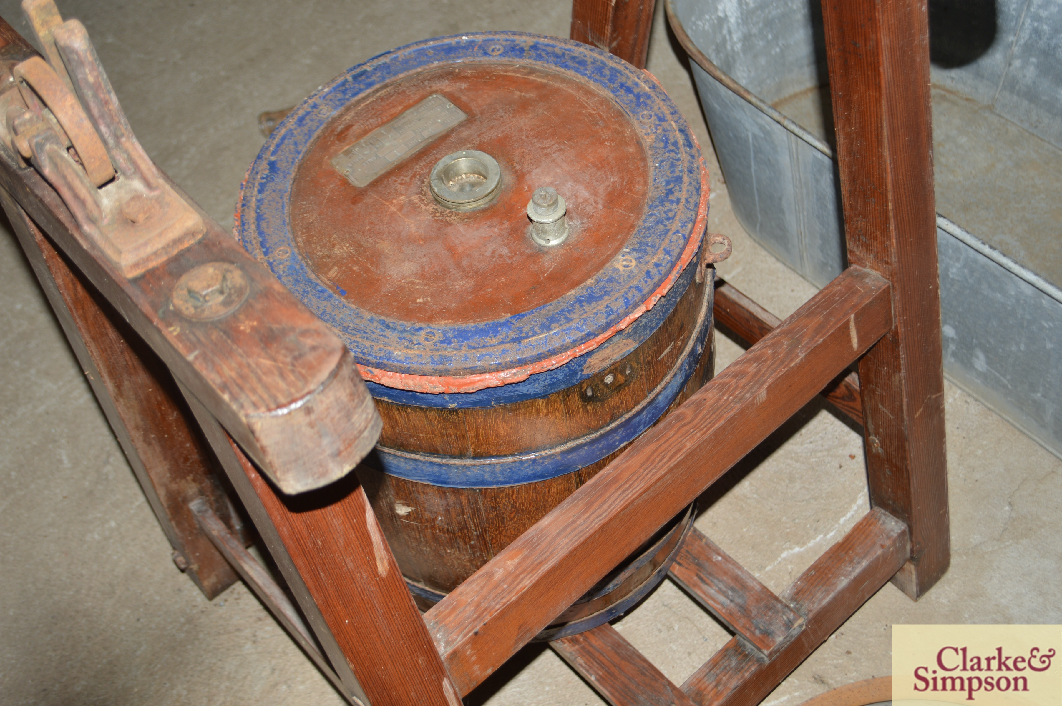 An old butter churn with stand and cream separator - Image 8 of 13
