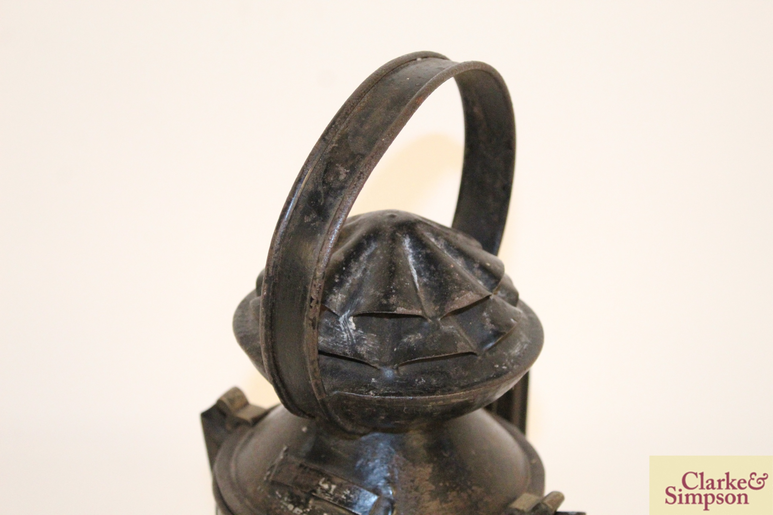 A railway lamp - Image 4 of 6