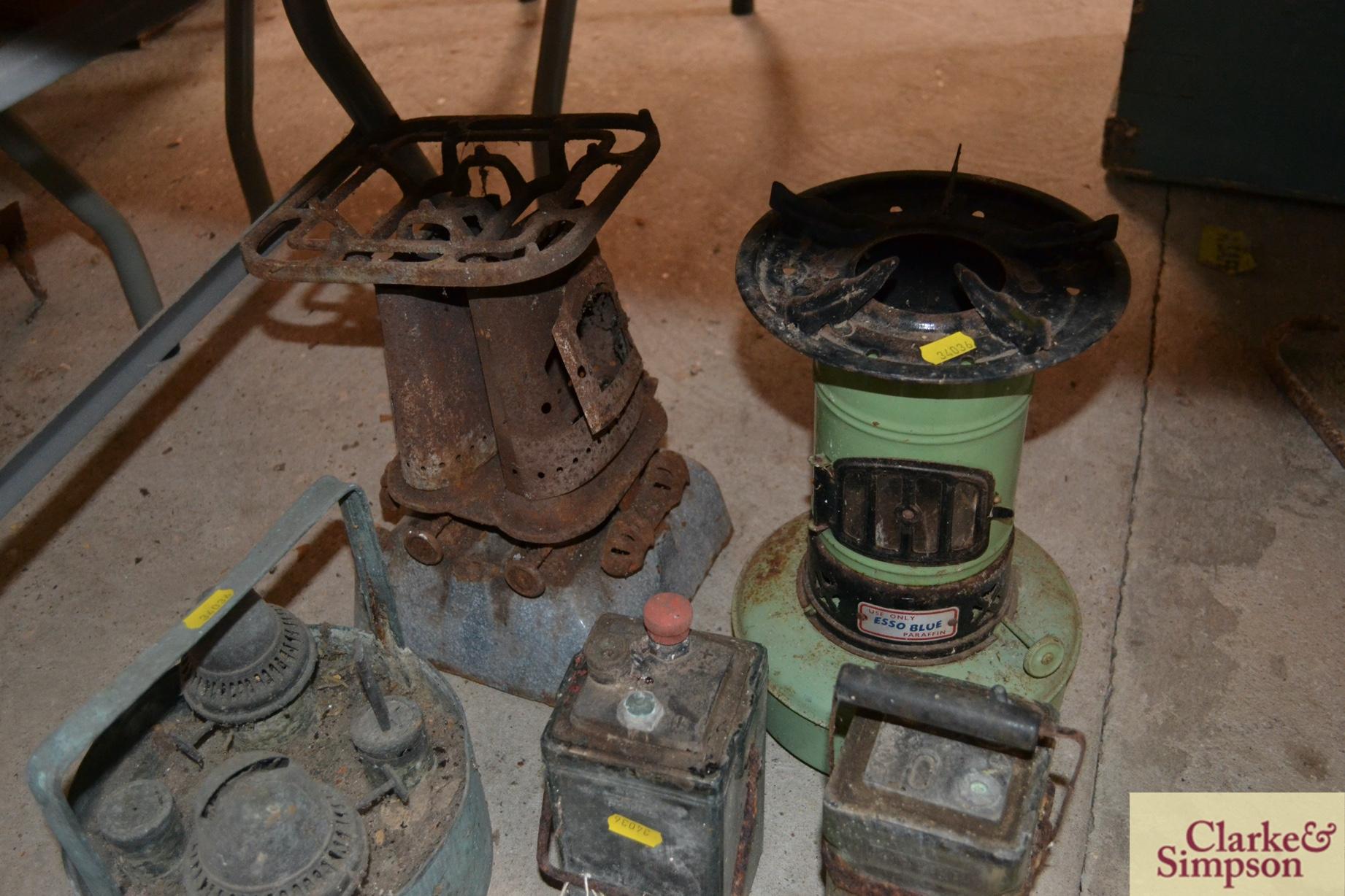 Two accumulators, paraffin stoves, blow lamp etc. - Image 4 of 4