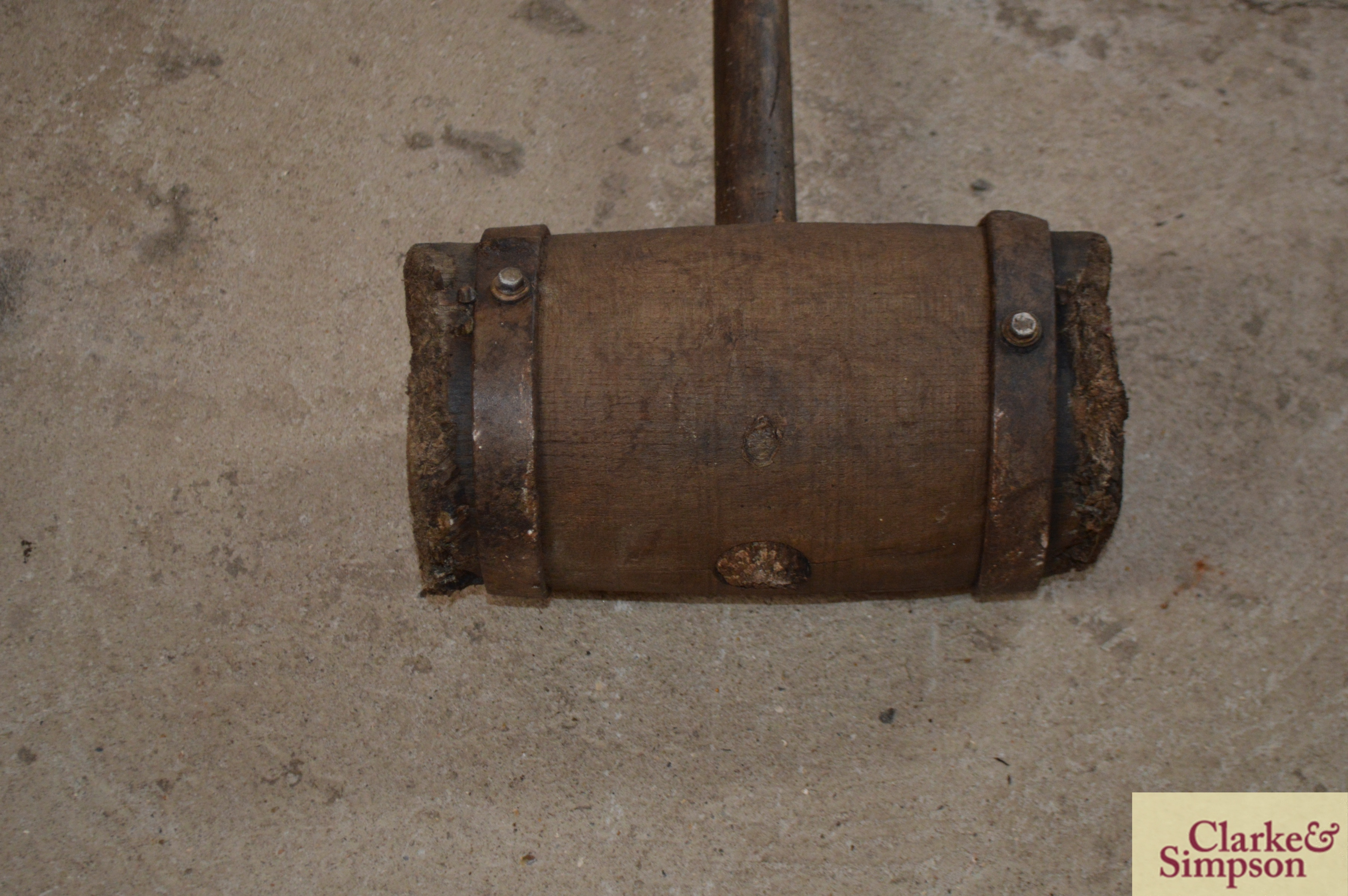 A large metal bound wooden mallet - Image 4 of 5