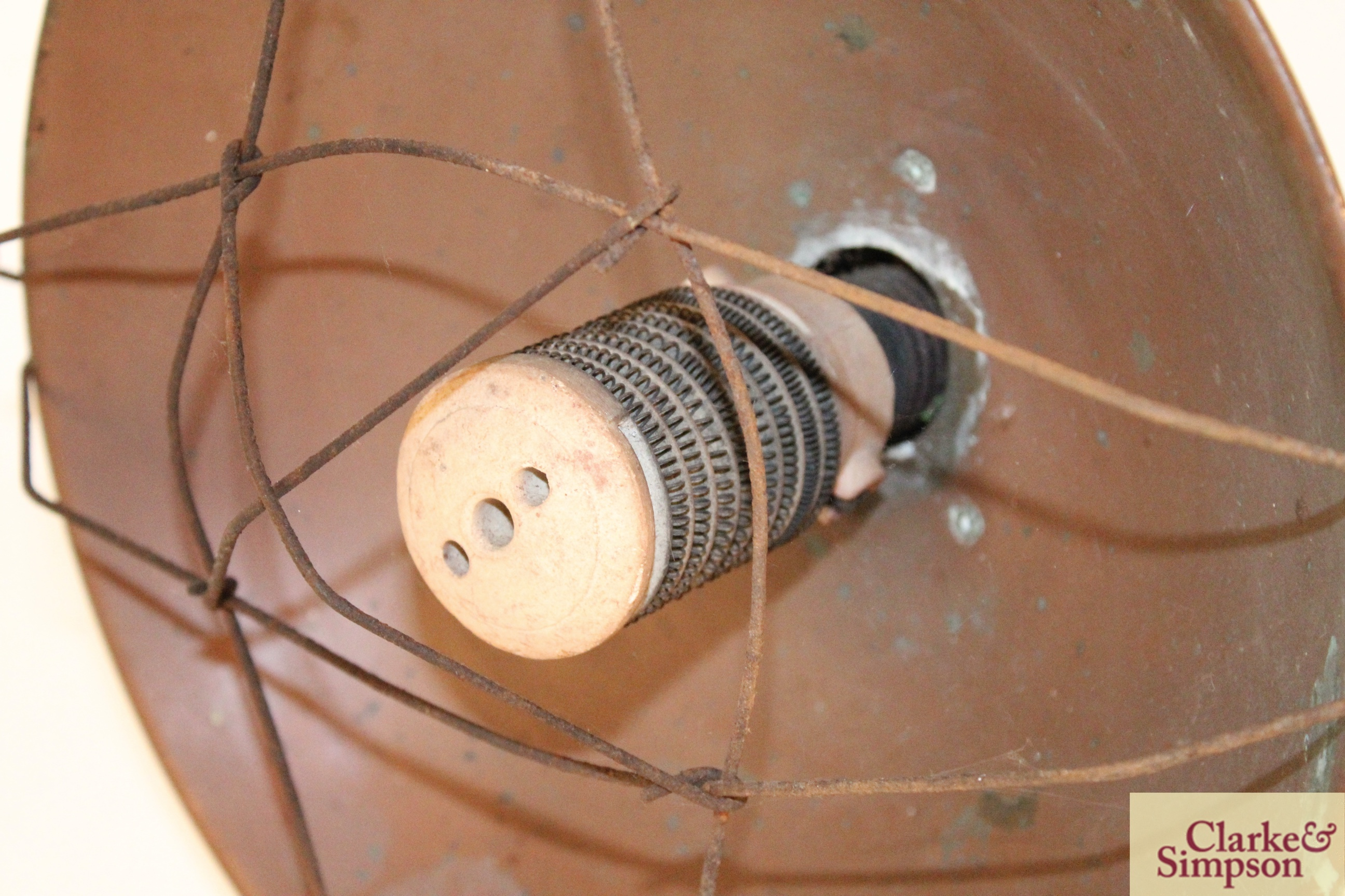 A vintage brass and cast iron electric heater - Image 3 of 4