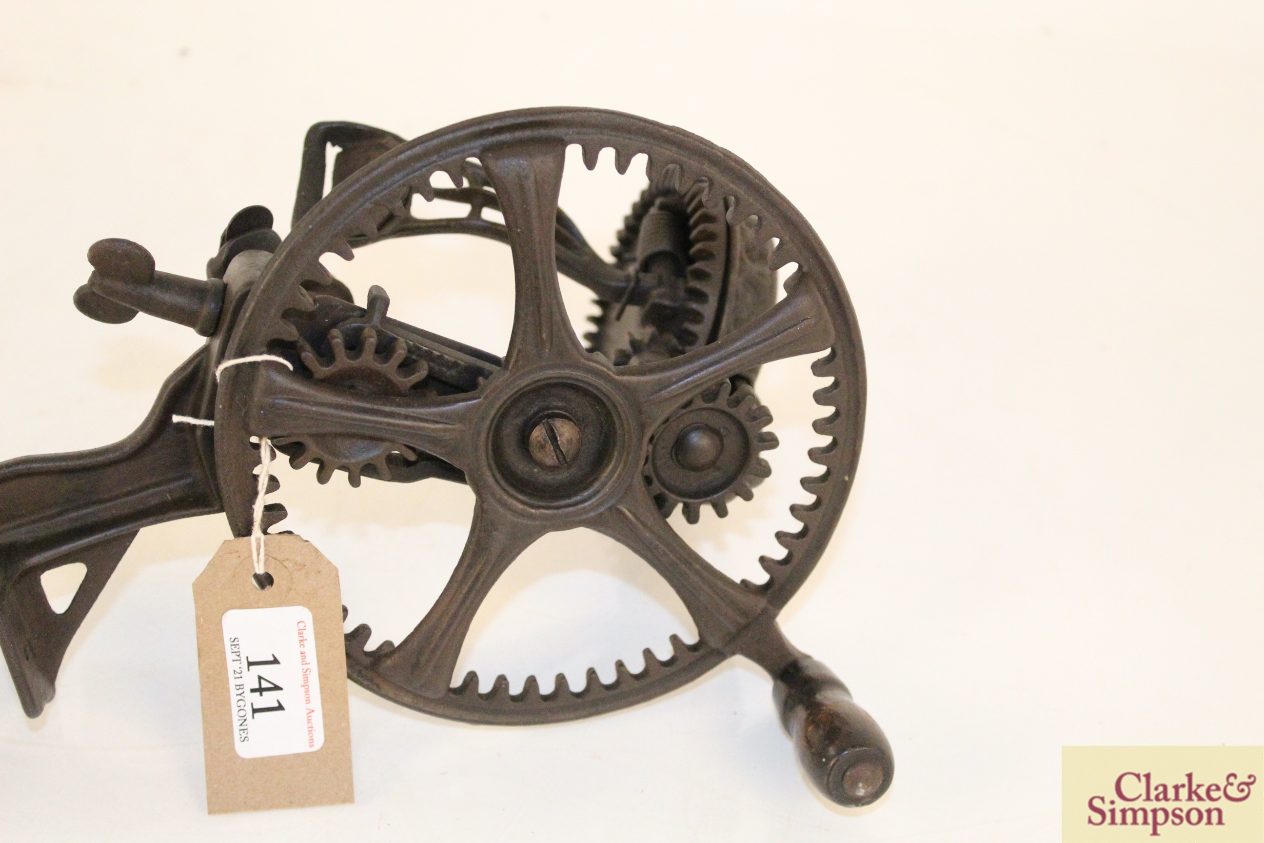 A cast iron apple peeler by The Reading Hardware C - Image 6 of 7