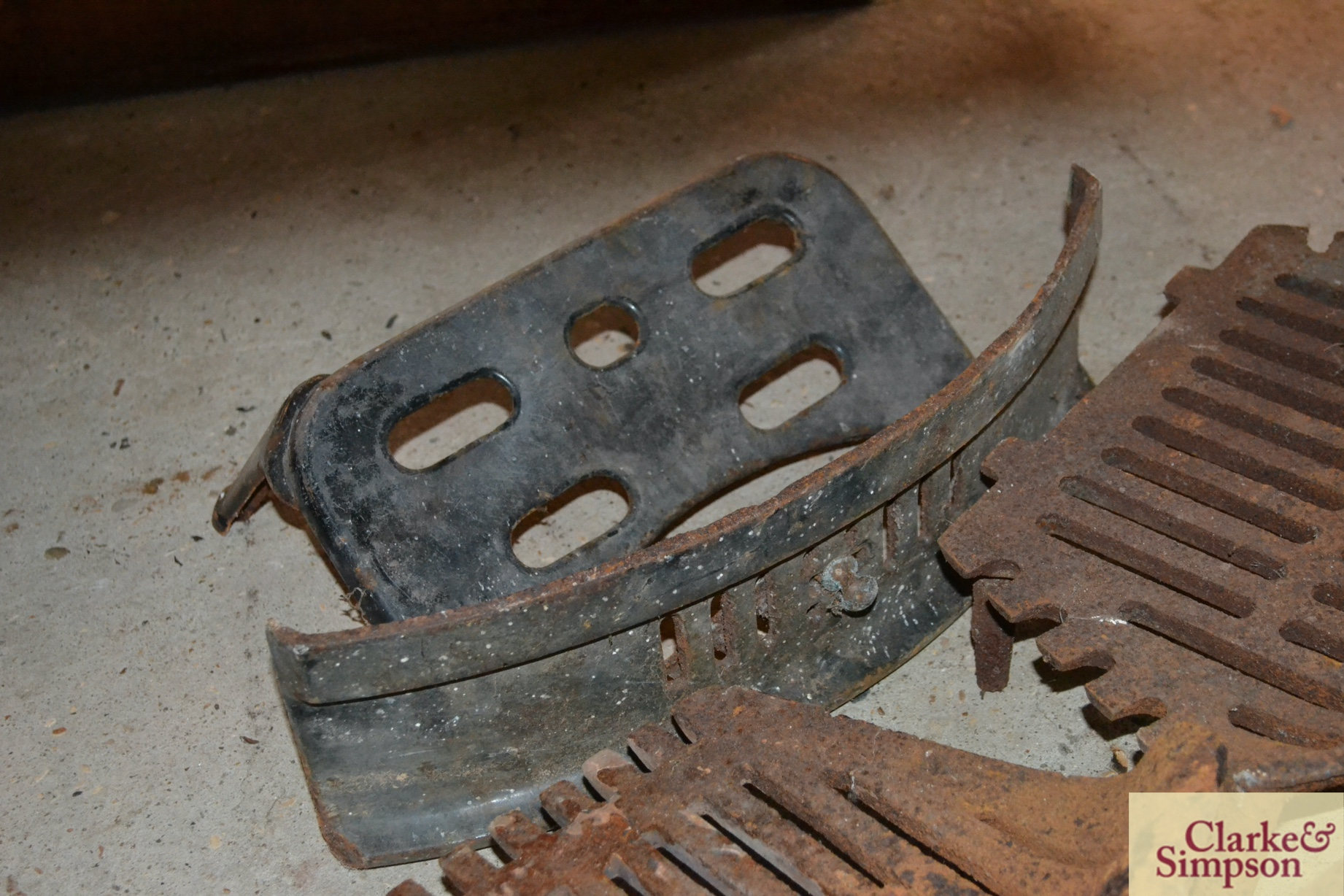 Various cast iron fireplace items - Image 2 of 4