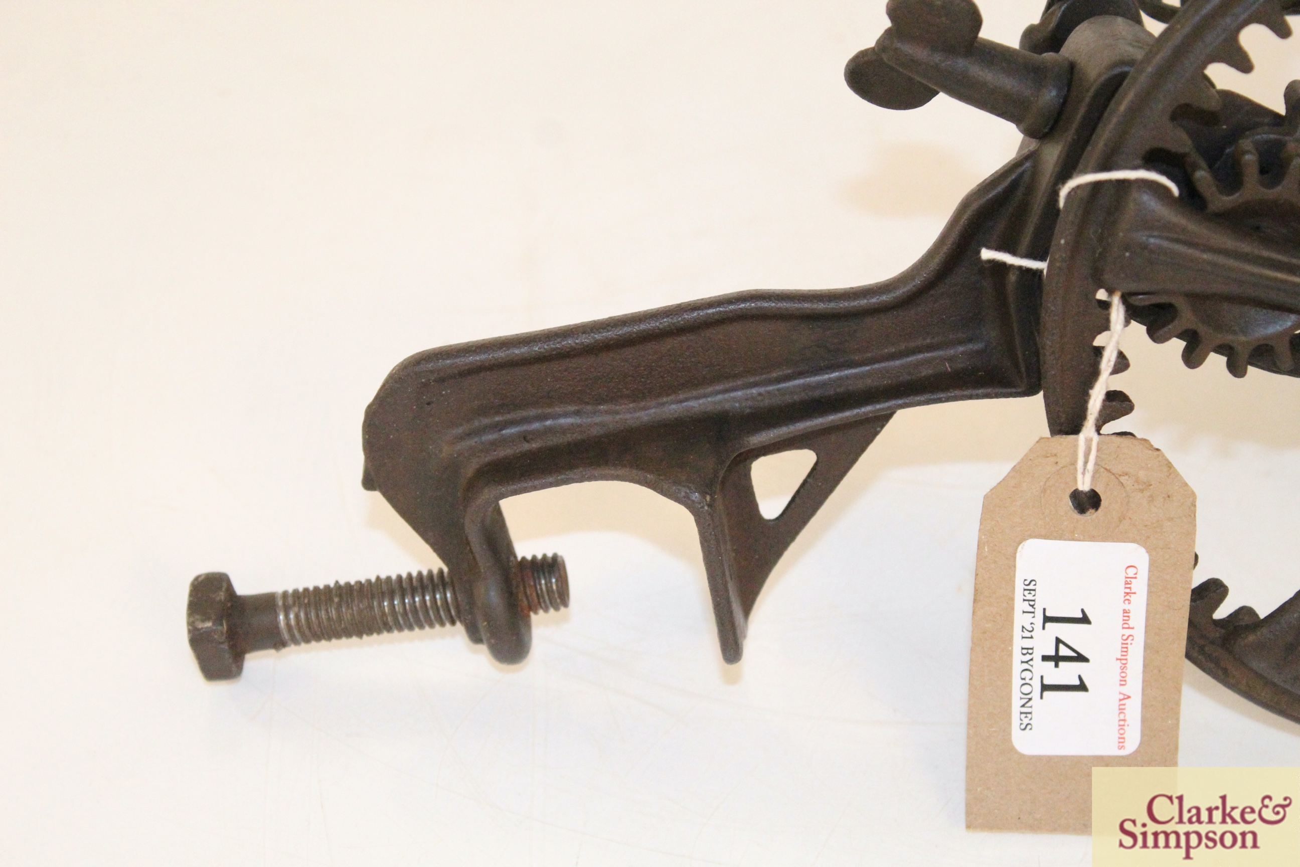 A cast iron apple peeler by The Reading Hardware C - Image 7 of 7