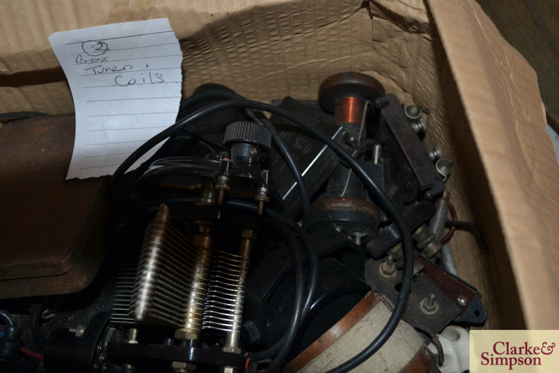A box of miscellaneous vintage radio tuners and coi - Image 3 of 4