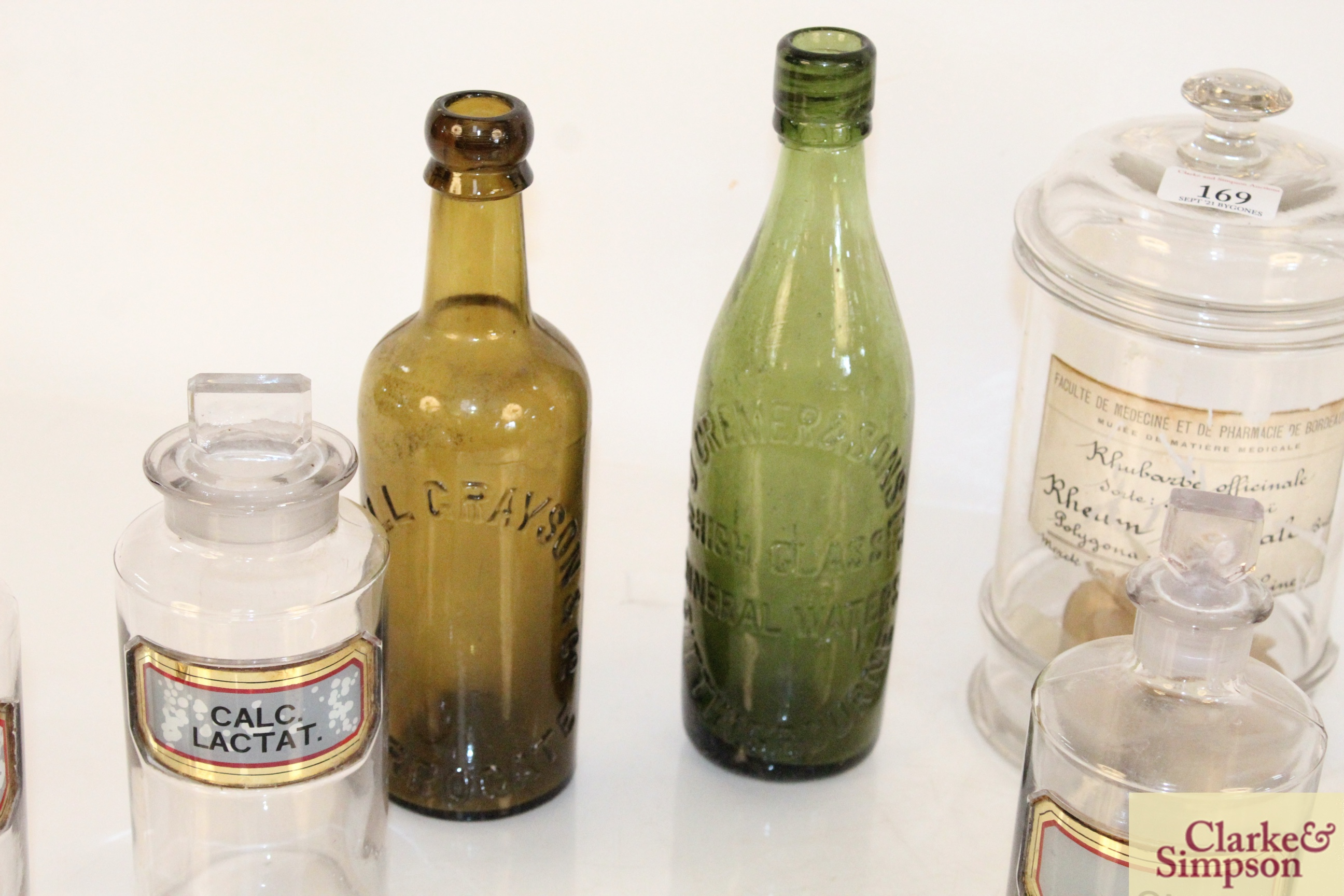 A quantity of various glass chemist jars and two - Image 3 of 7
