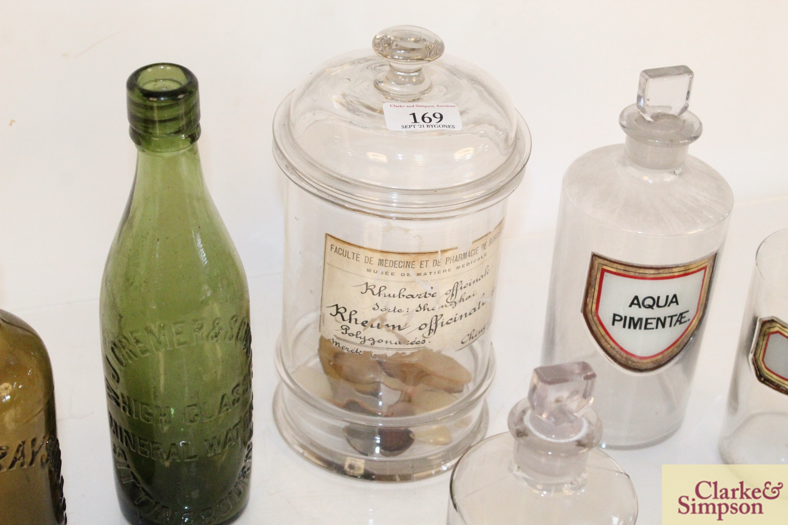 A quantity of various glass chemist jars and two - Image 4 of 7