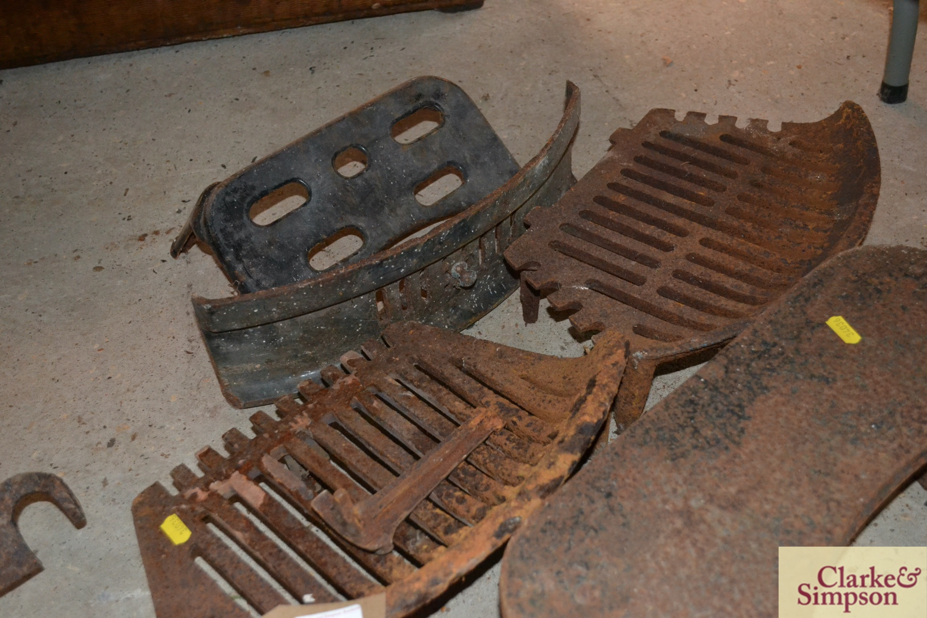 Various cast iron fireplace items - Image 3 of 4