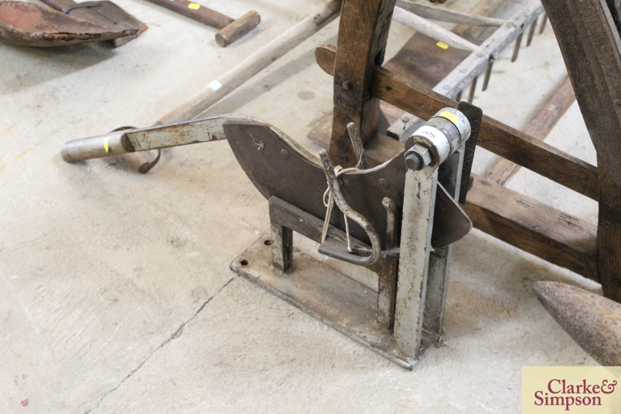 A thatcher's straw slicer - Image 2 of 7