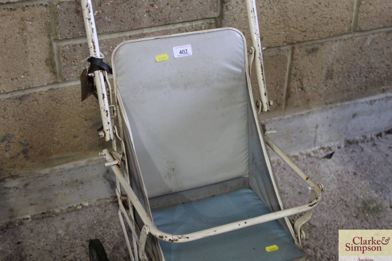 A vintage folding pushchair - Image 3 of 4