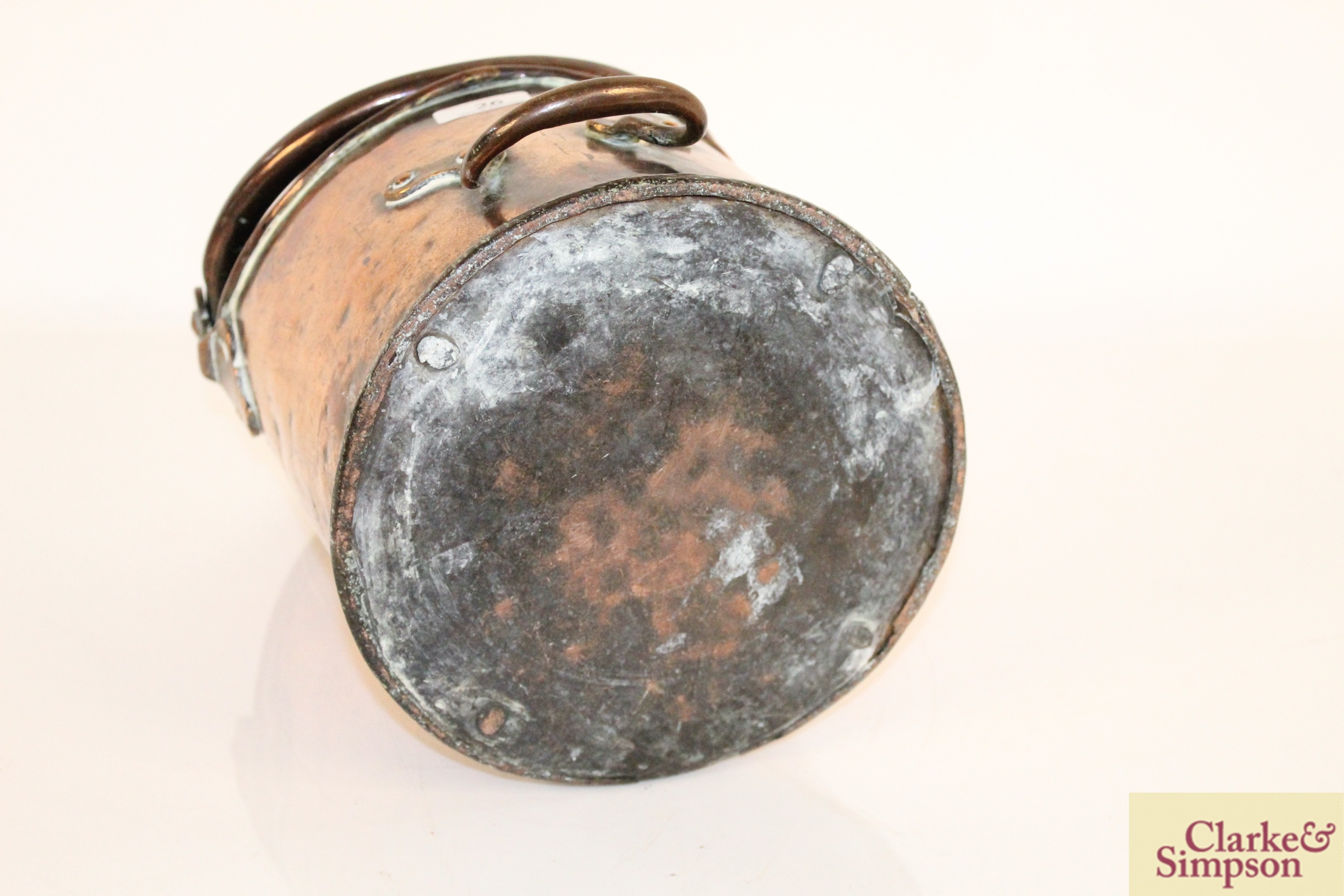 An antique copper coal hod with swing handle and - Image 4 of 6