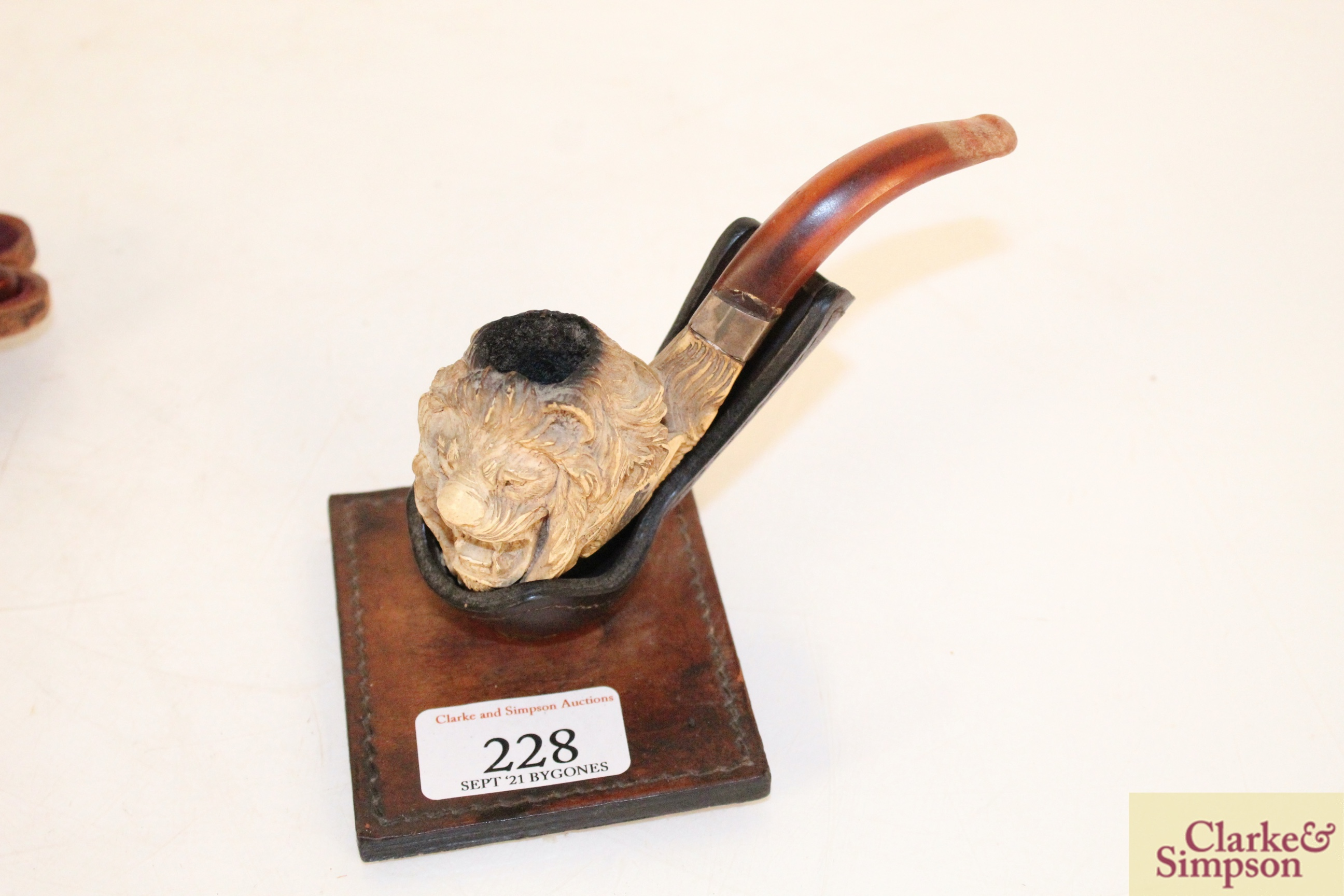 A vintage Meerschaum pipe, the bowl in the form of - Image 2 of 3