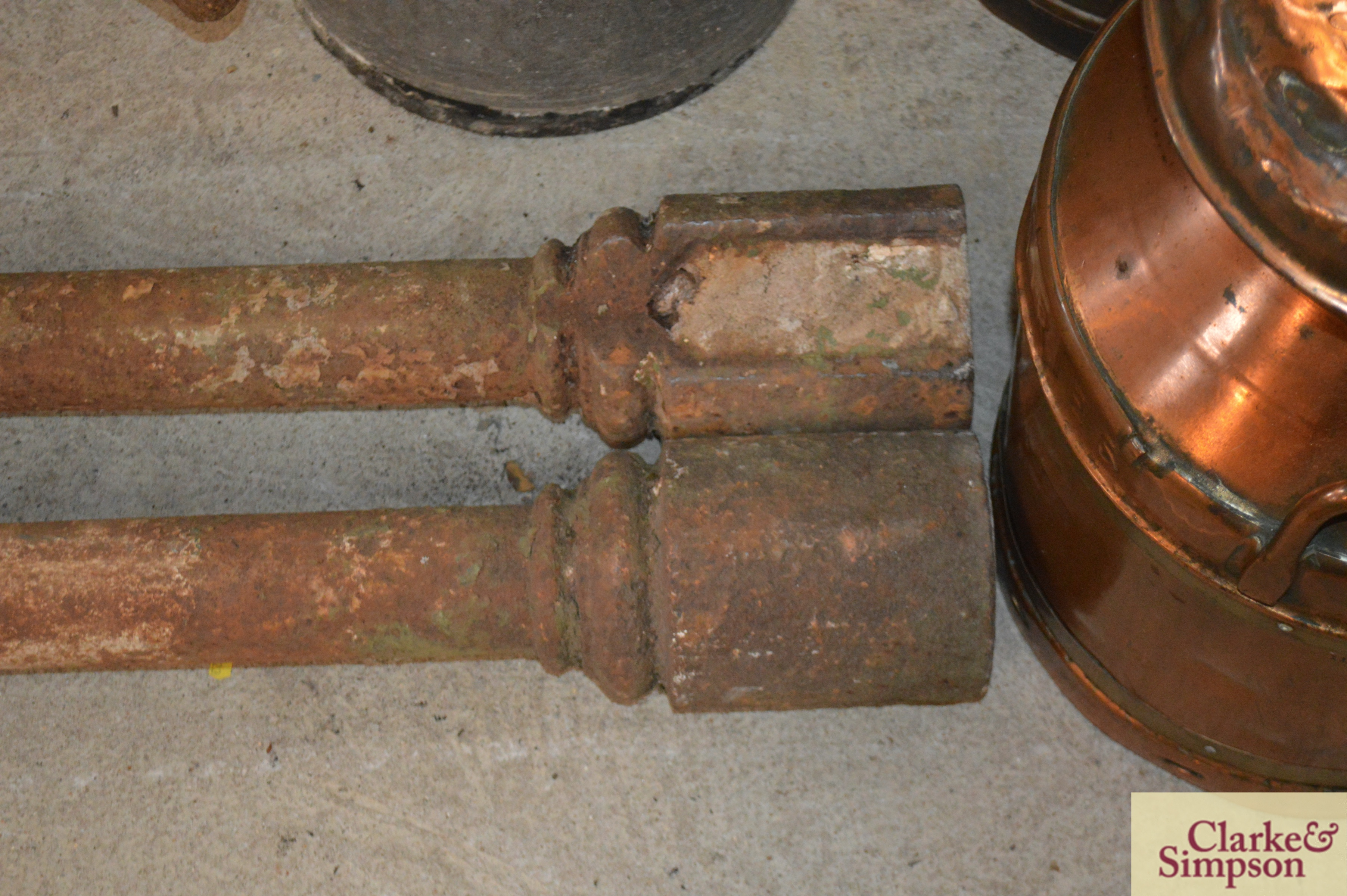 A pair of cast iron Victorian columns - Image 3 of 4