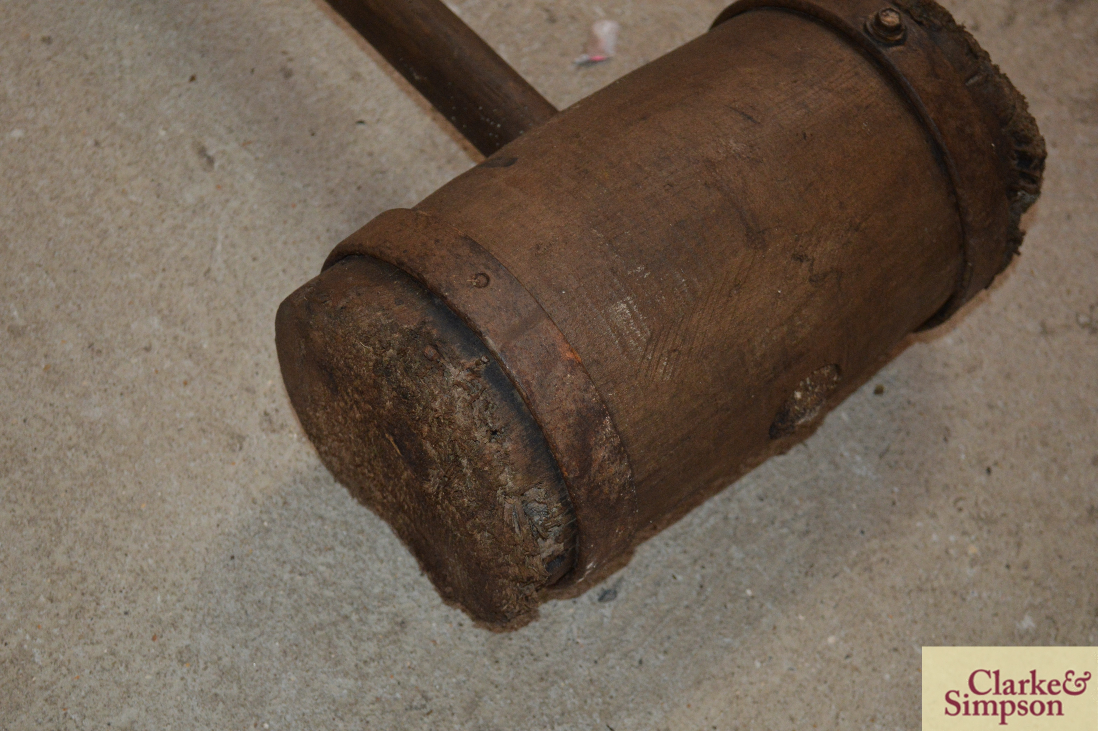 A large metal bound wooden mallet - Image 3 of 5