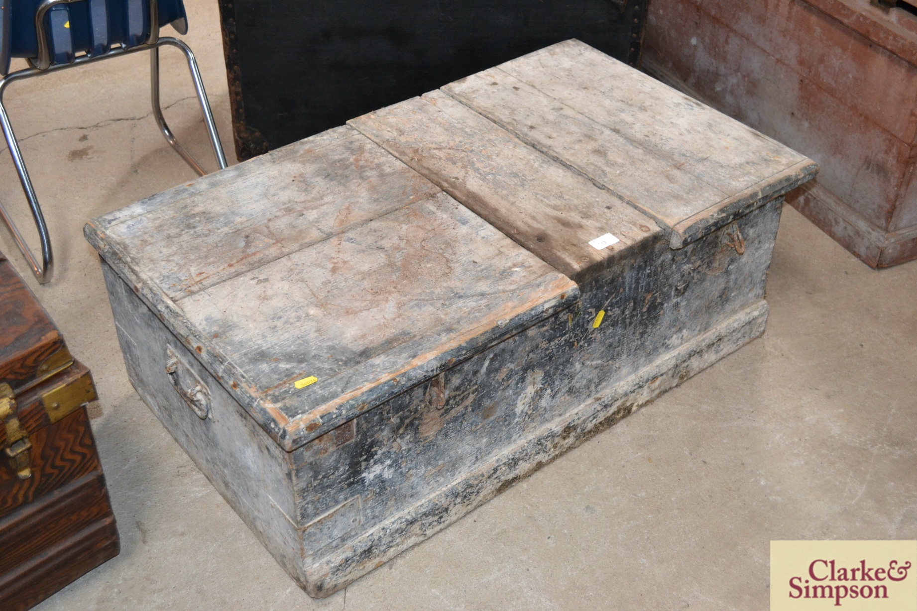 A large vintage pine twin lidded carpenters tools chest - Image 2 of 2