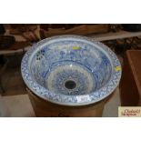 """A Victorian blue and white decorated wash basin """"P"""