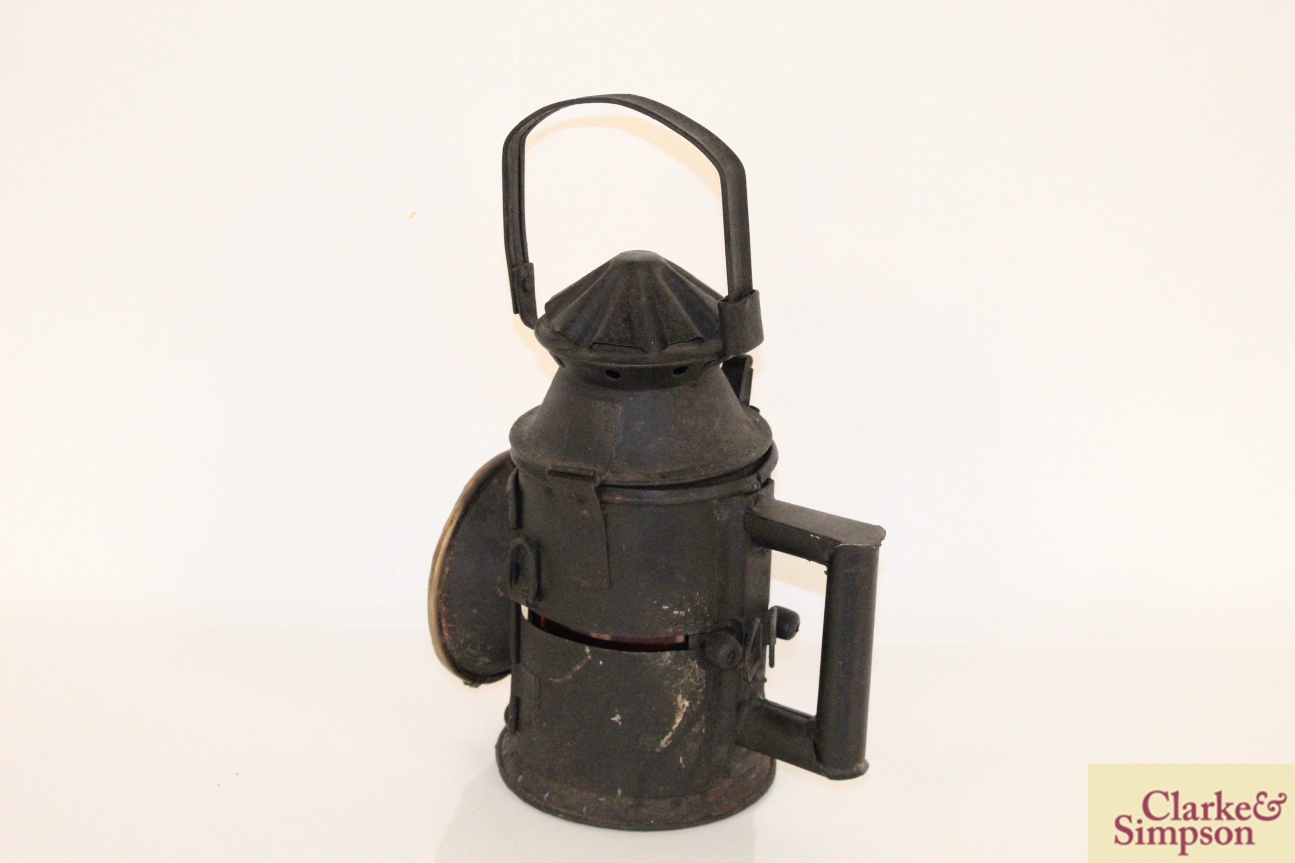 A vintage railway signal lamp - Image 2 of 5