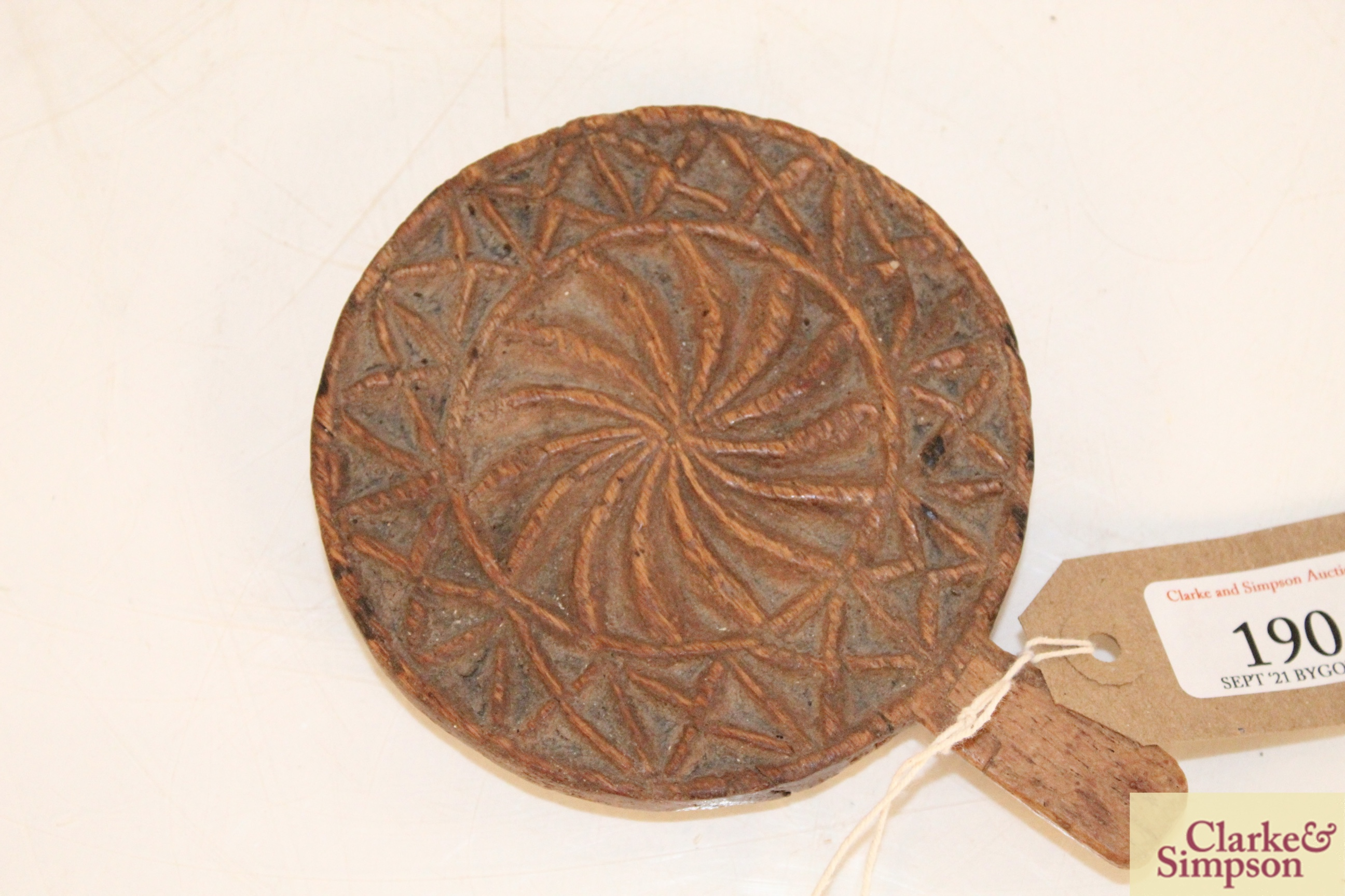 A small Treen mould or marker - Image 2 of 4