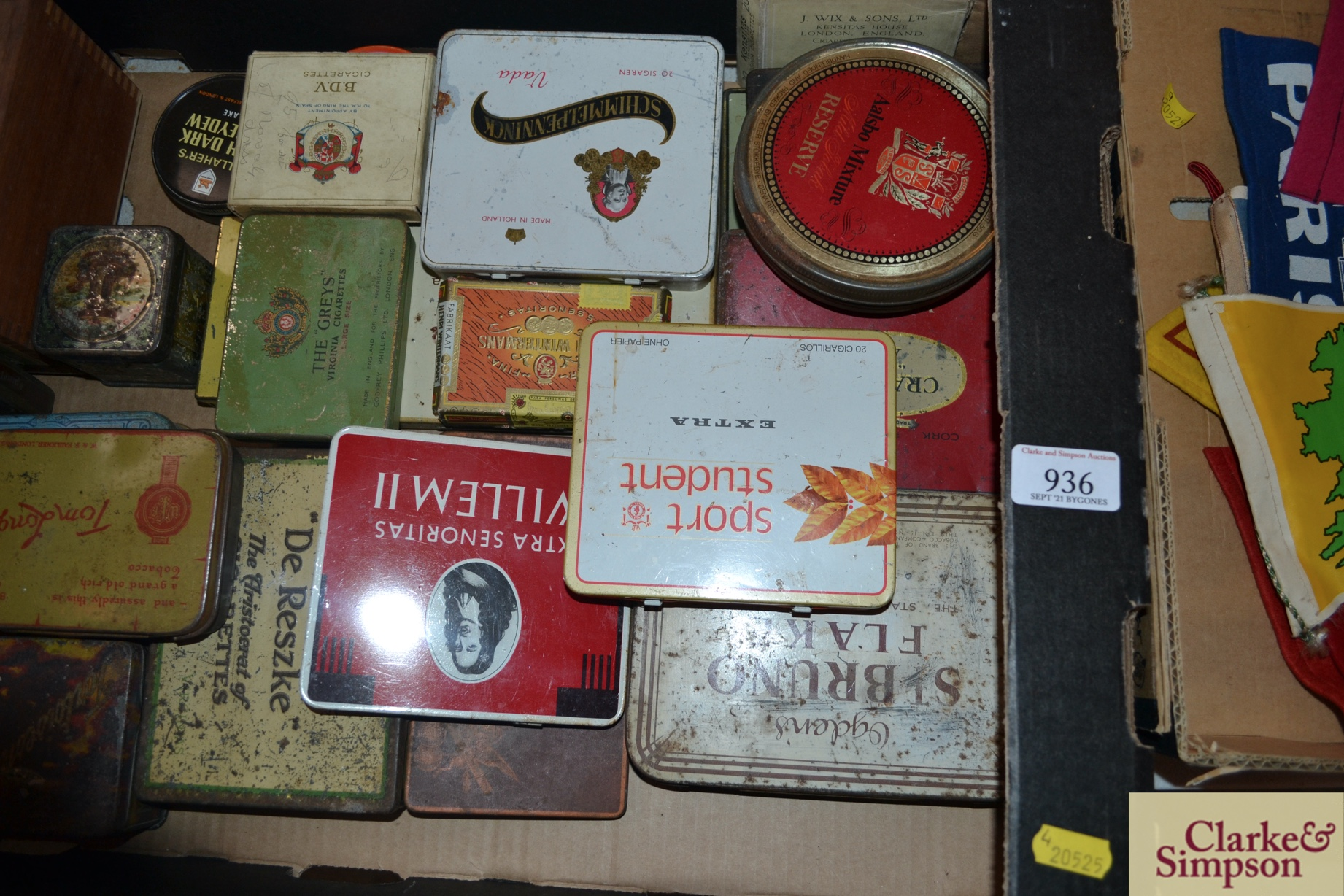 A box of various old cigar, cigarette and tobacco - Image 3 of 3