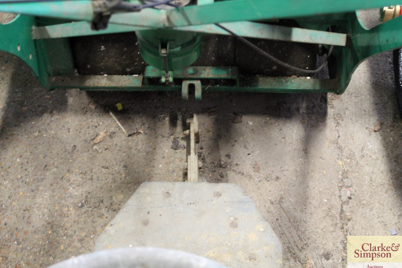 A Ransomes cylinder ride-on mower - Image 7 of 12