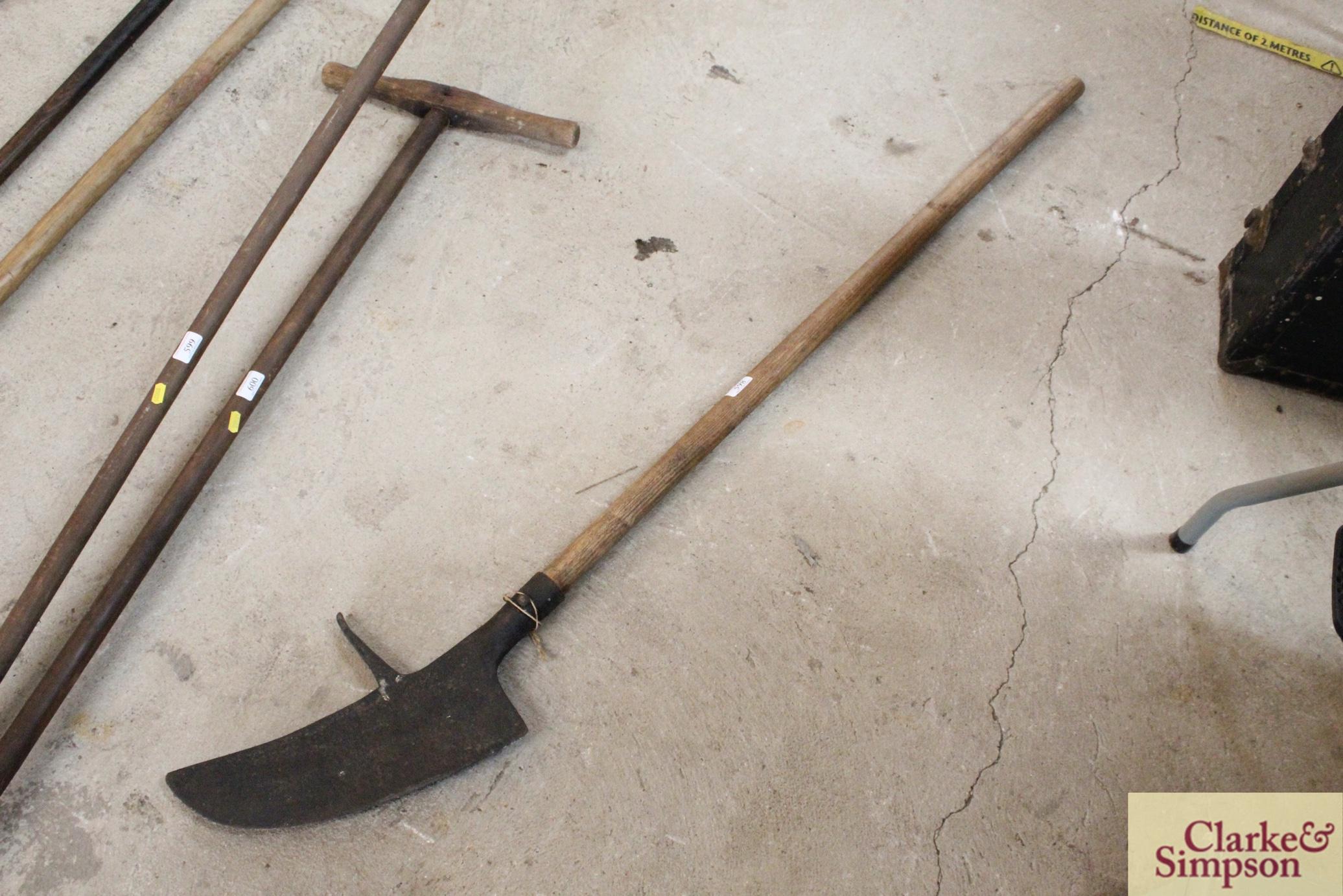 A thatcher's / peat cutter's tool