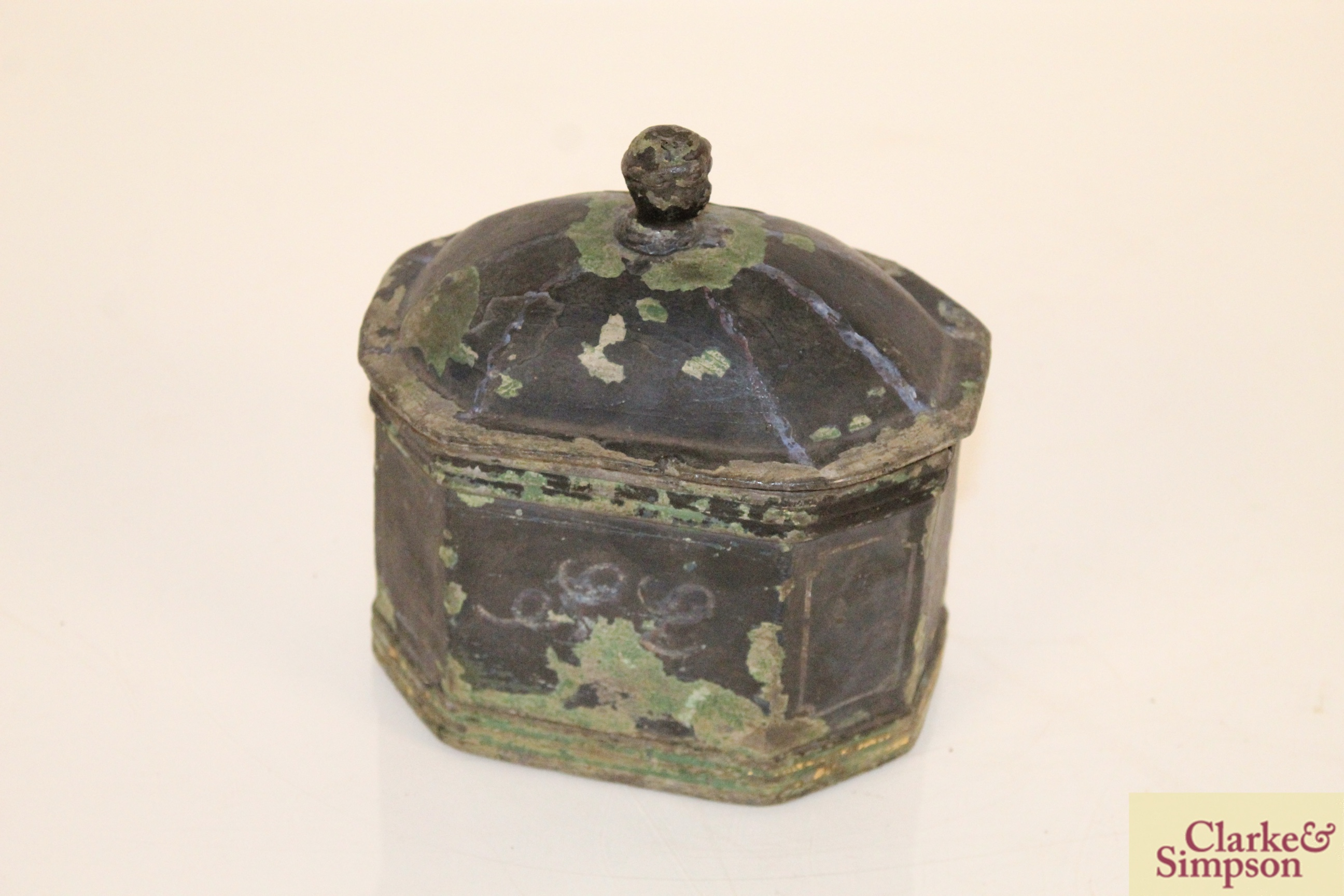 A lead casket containing a faux ivory skull - Image 3 of 7