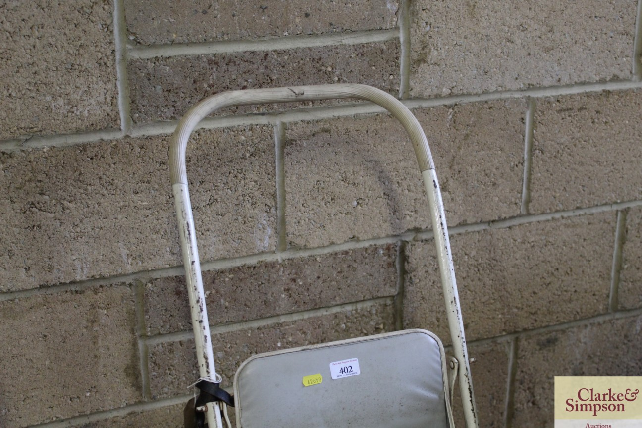 A vintage folding pushchair - Image 2 of 4