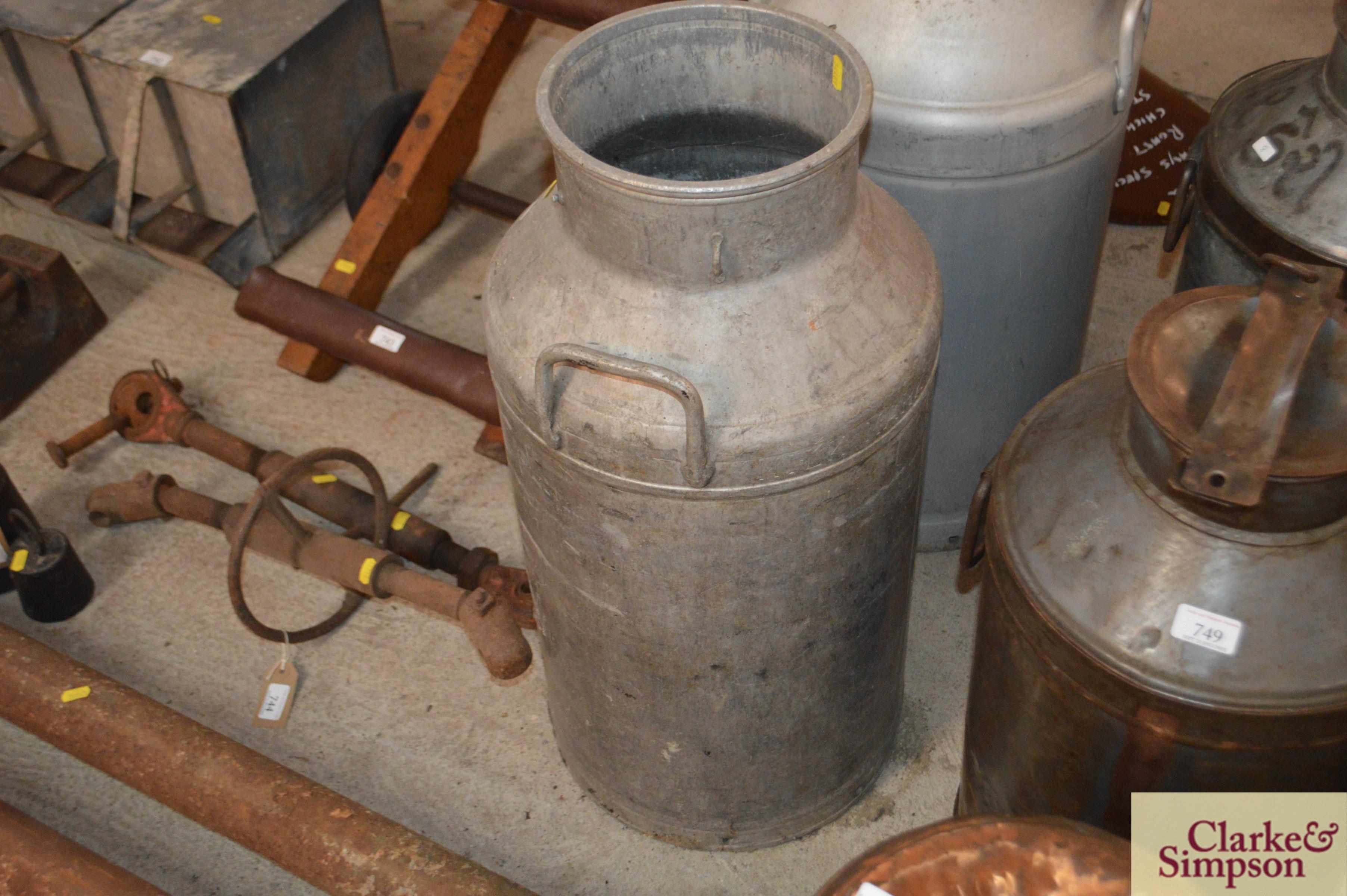A milk churn ( no lid) - Image 3 of 4