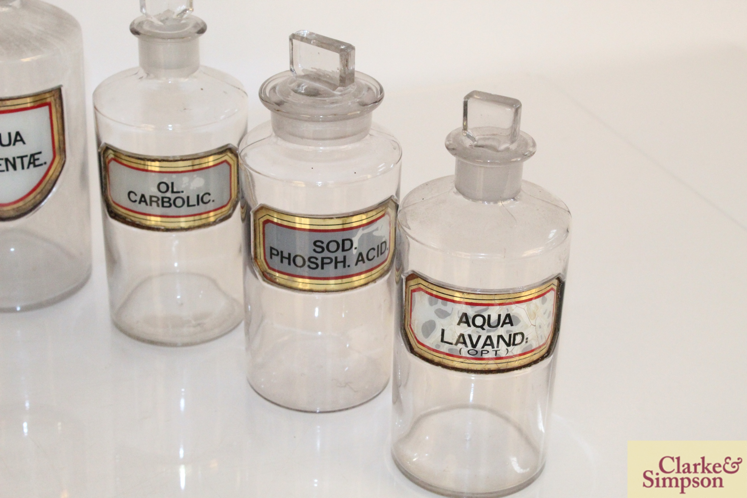 A quantity of various glass chemist jars and two - Image 7 of 7