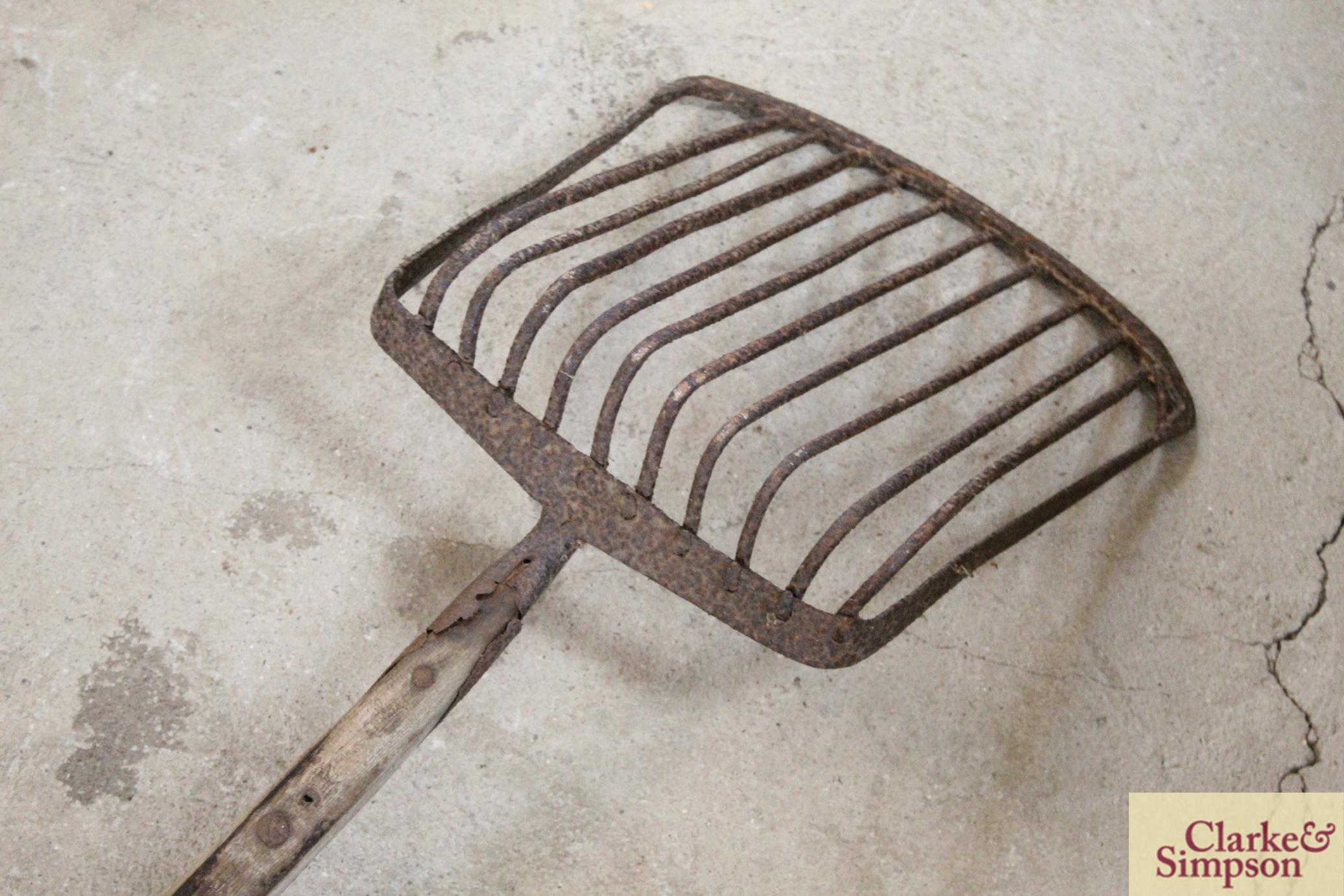 A sugar beet fork - Image 8 of 8